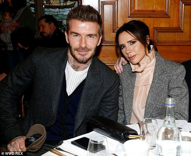 Vợ chồng Beckham đẹp đôi dự tiệc - Ảnh 10.