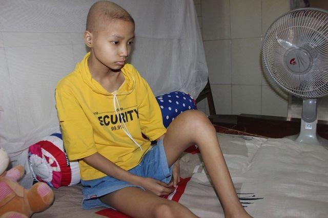 Bạn đọc giúp cô bé lớp 8 mắc bệnh ung thư xương hơn 80 triệu đồng - Ảnh 1.