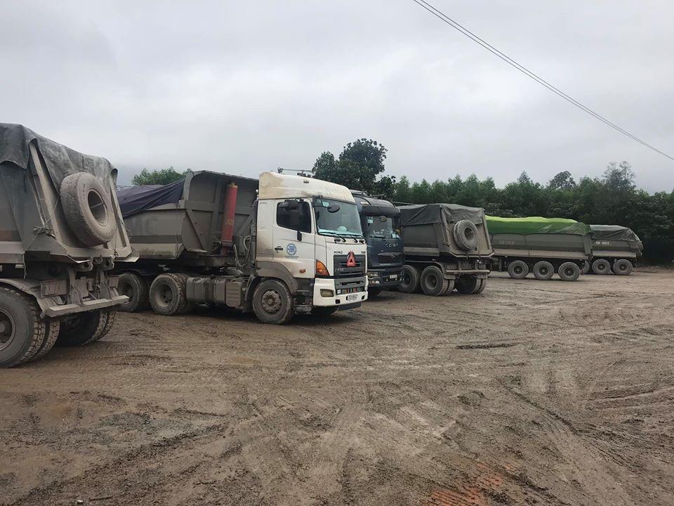 Xử phạt hơn 100 triệu đồng đoàn xe chở quá tải - Ảnh 2.