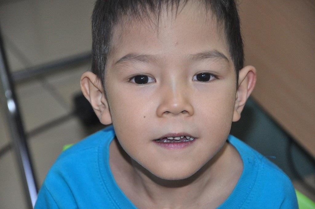 Bạn đọc giúp cậu bé 5 tuổi phải mổ tim lần thứ 5 hơn 172 triệu đồng - Ảnh 1.
