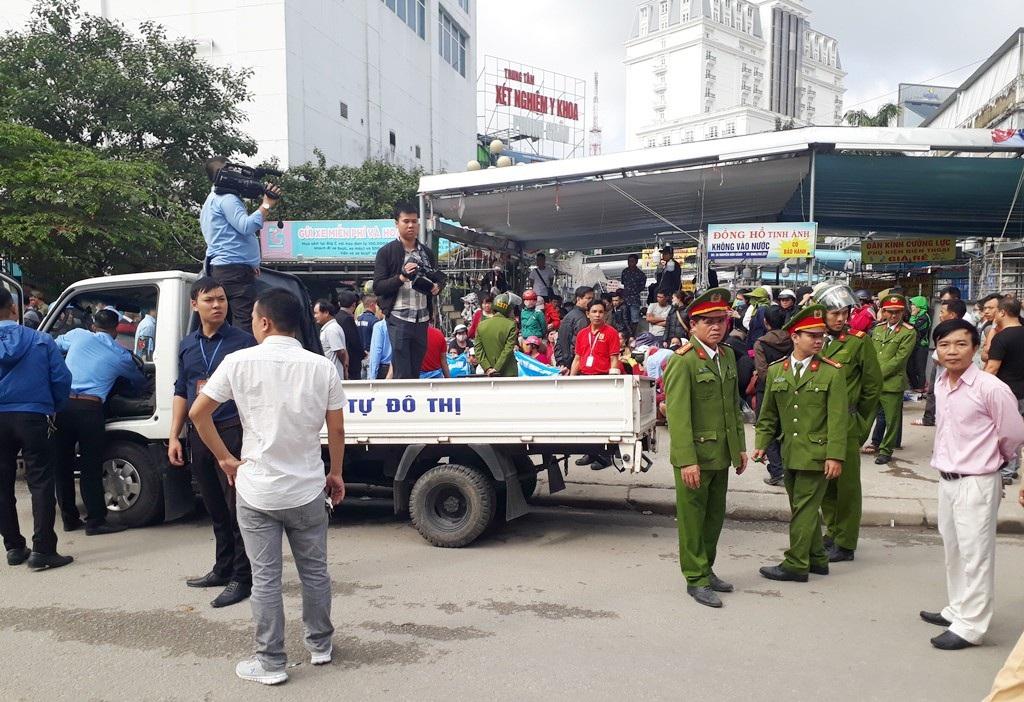 Phong toả trung tâm mua sắm trái phép chống lệnh Chủ tịch tỉnh Thừa Thiên Huế! - Ảnh 1.