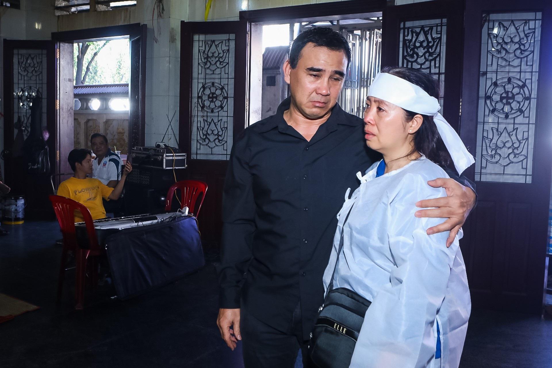 Kim Xuân, Quyền Linh, Anh Đức… xúc động khi đến viếng diễn viên Mạnh Tràng - Ảnh 12.
