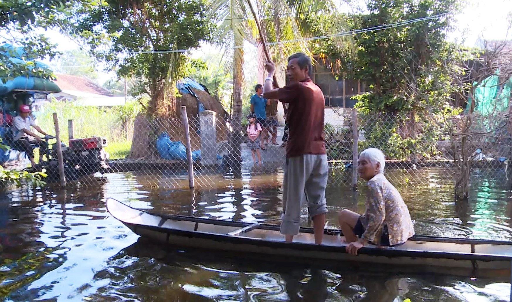 Gần 3 tháng, 40 hộ dân bị nhấn chìm trong lụt lội, ô nhiễm! - Ảnh 3.