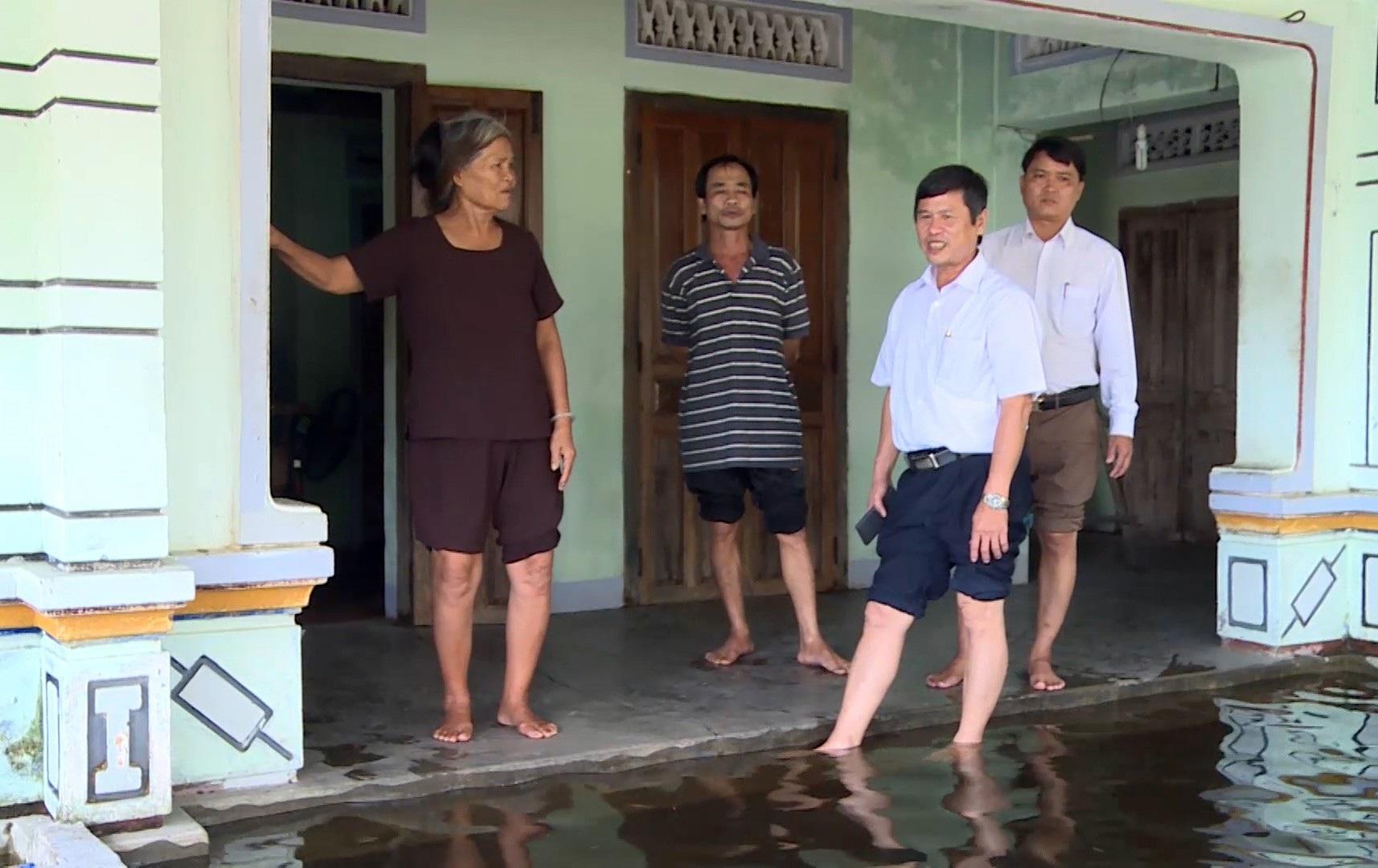 Gần 3 tháng, 40 hộ dân bị nhấn chìm trong lụt lội, ô nhiễm! - Ảnh 5.