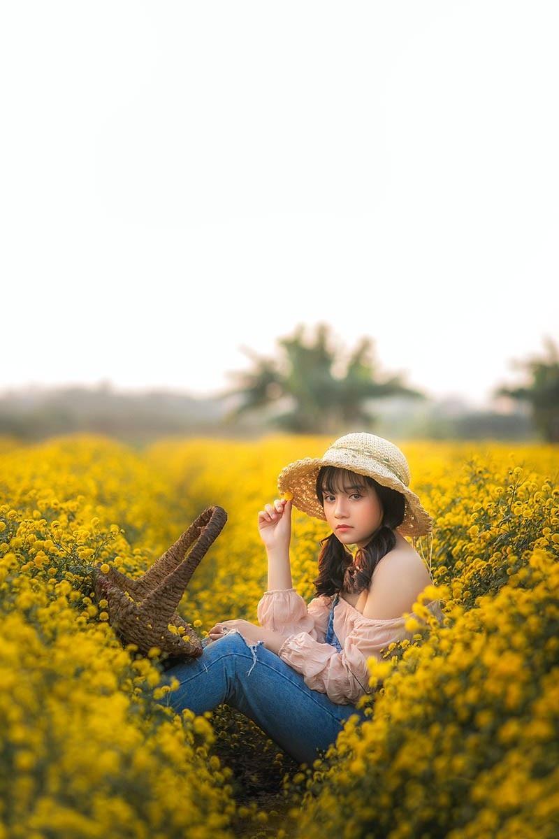 Nàng thơ tuổi teen khoe sắc giữa vườn hoa cúc vàng - Ảnh 7.