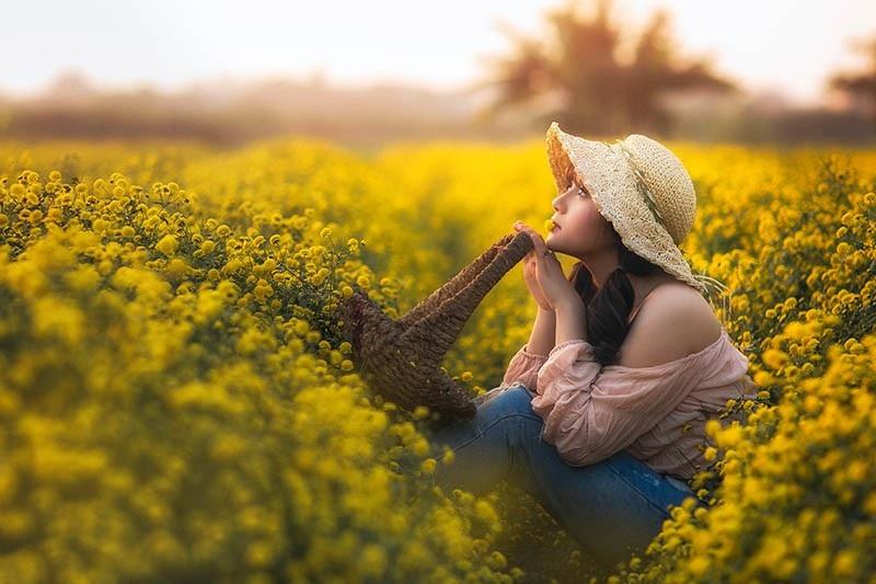 Nàng thơ tuổi teen khoe sắc giữa vườn hoa cúc vàng - Ảnh 3.