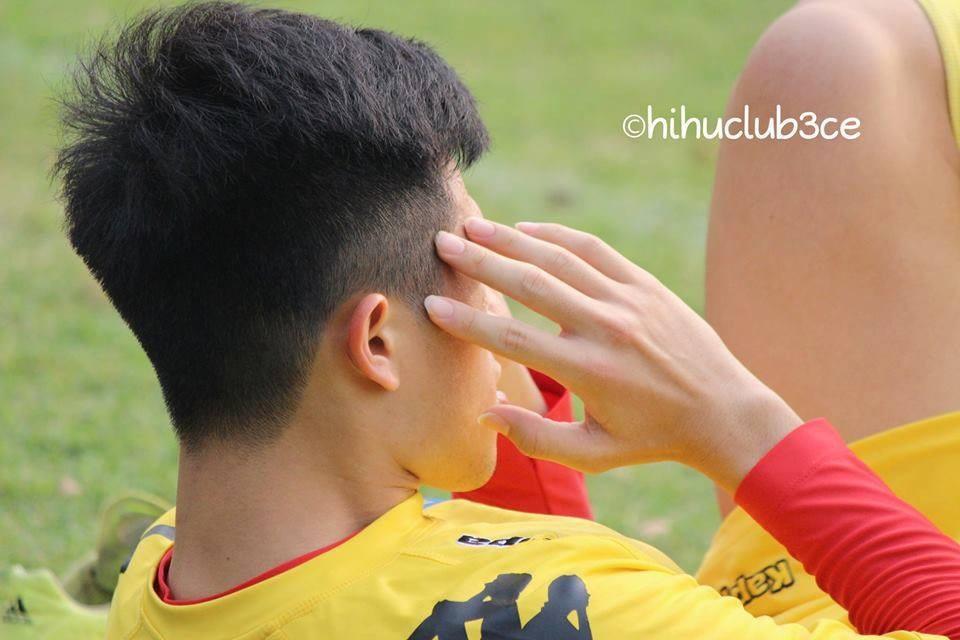 Không đá Asian Cup, Đình Trọng vẫn ghi điểm với fan nữ khi bình luận bóng đá - Ảnh 6.