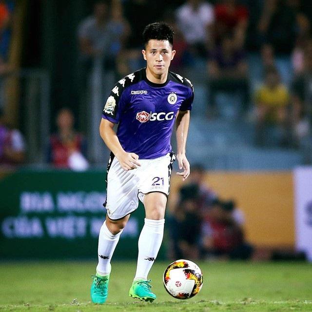 Không đá Asian Cup, Đình Trọng vẫn ghi điểm với fan nữ khi bình luận bóng đá - Ảnh 9.