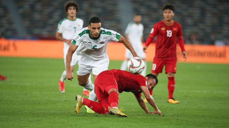 Sự khác biệt của đội tuyển Iraq và Iran so với các giải trẻ - Ảnh 1.