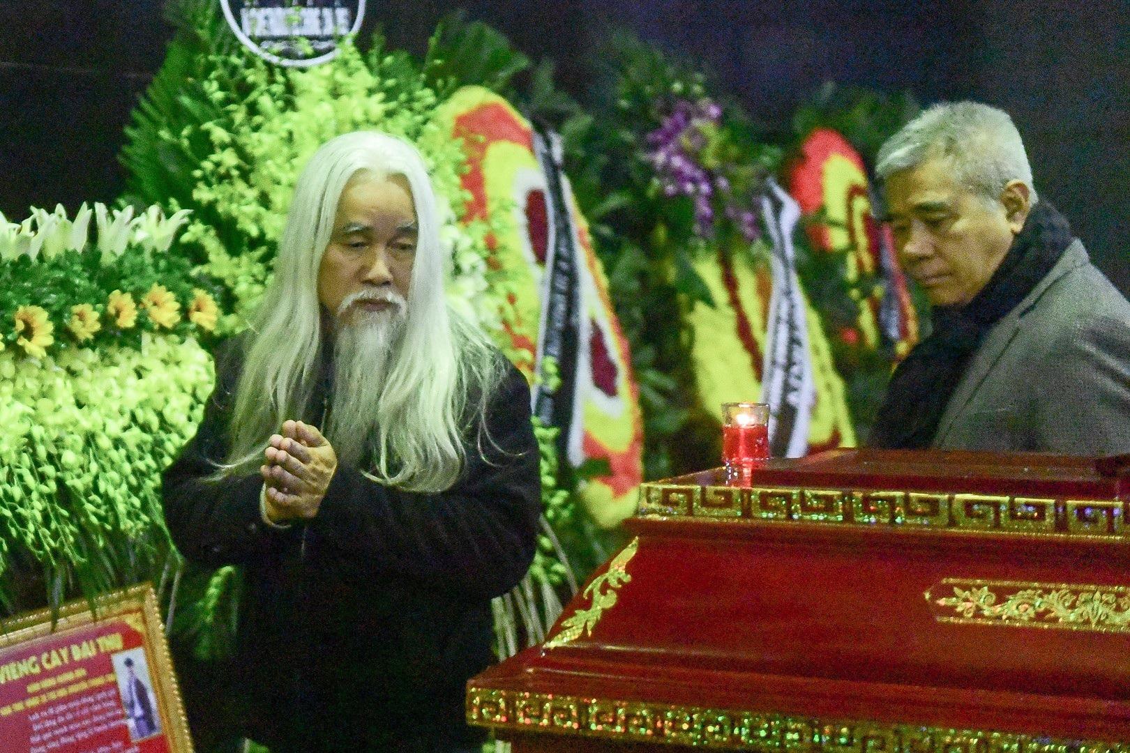 Đông đảo bạn bè, văn nghệ sĩ đến tiễn đưa nhà thơ- nhạc sĩ Nguyễn Trọng Tạo - Ảnh 13.