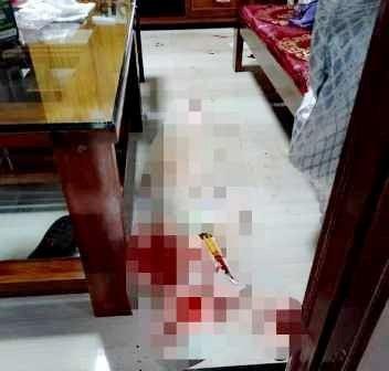 Bé gái 10 tuổi ở nhà bị tên cướp đâm đã tử vong - Ảnh 1.