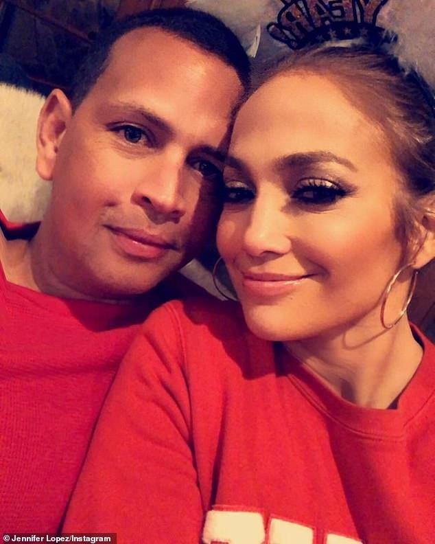 Jennifer Lopez khỏe khoắn đi tập gym cùng bạn trai - Ảnh 10.