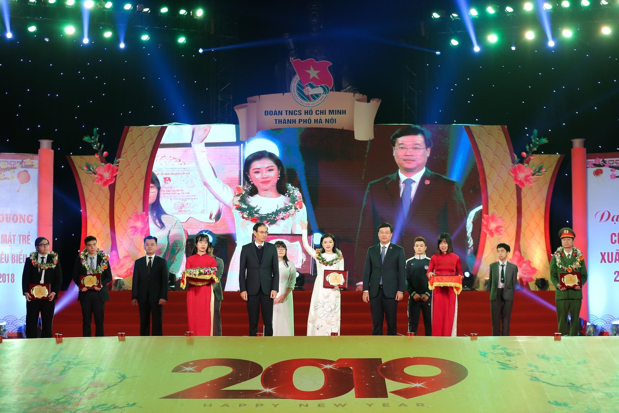 Nguyễn Thu Hằng cùng Quang Hải lọt top 10 gương mặt trẻ tiêu biểu Thủ đô 2018 - Ảnh 5.