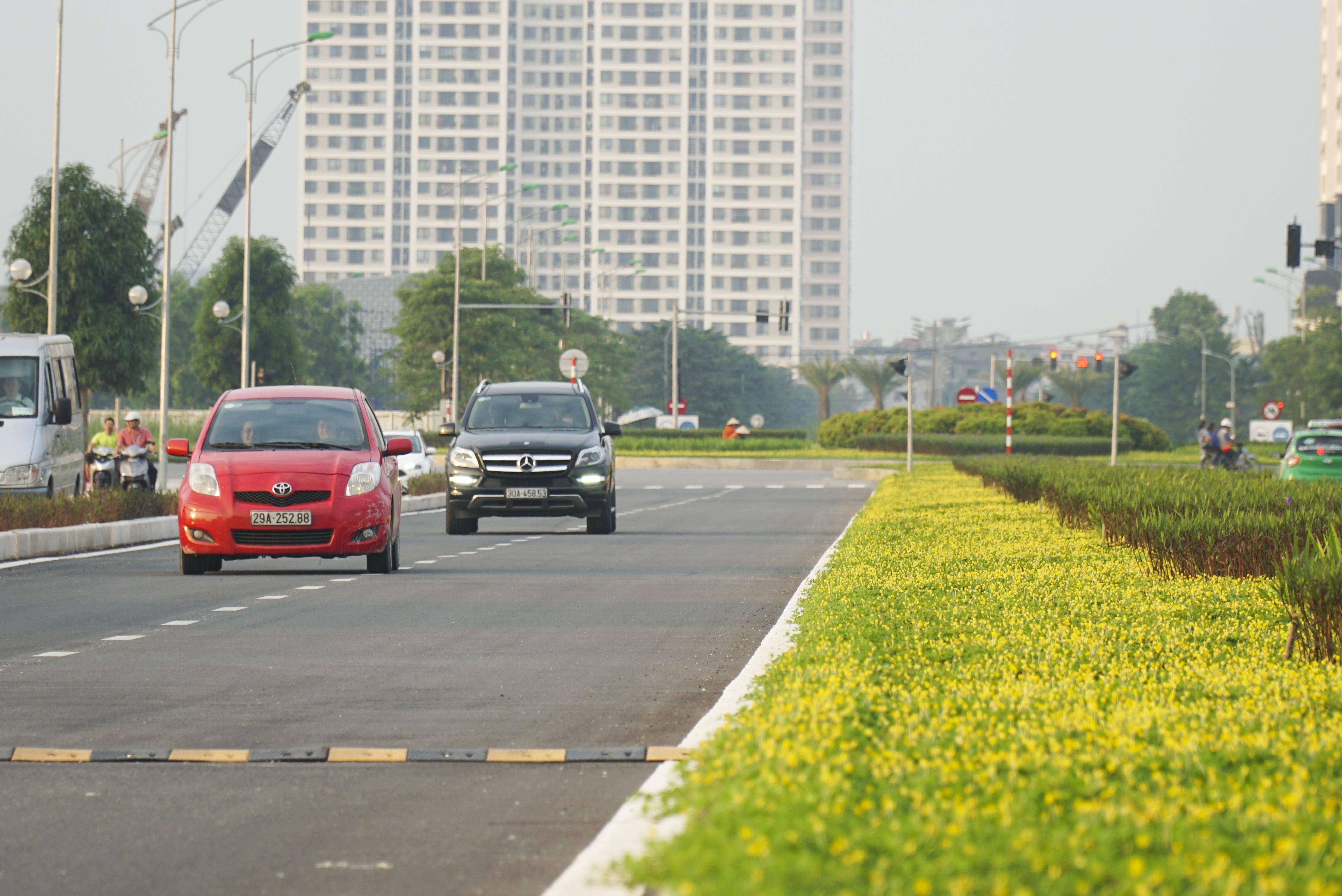 Toàn cảnh tuyến đường 8 làn kết nối 3 quận ở Hà Nội - 11