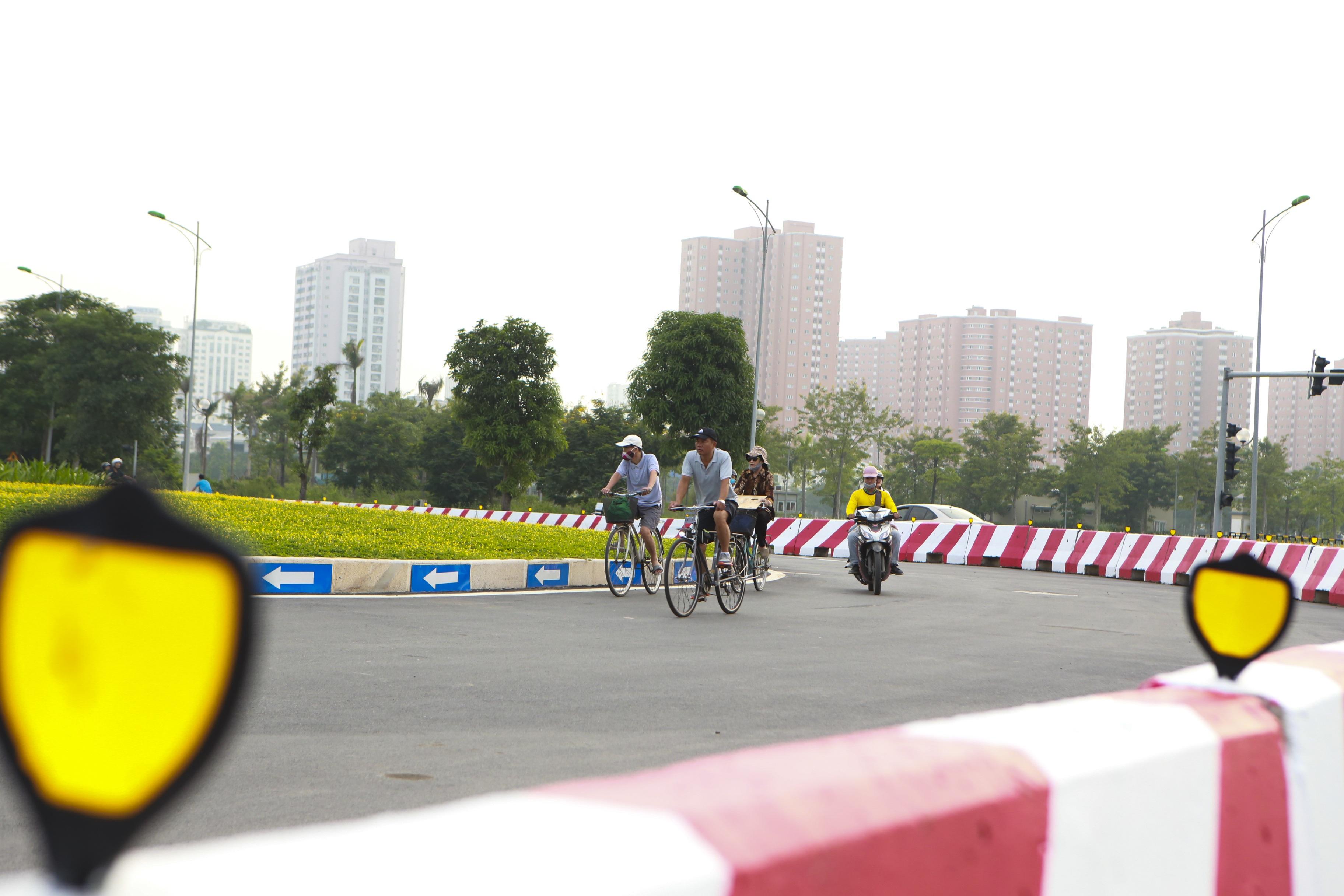 Toàn cảnh tuyến đường 8 làn kết nối 3 quận ở Hà Nội - 15