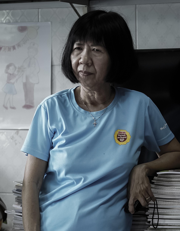 Cô giáo một thập kỷ ở lớp học trò qua đời, cô vẫn phải mỉm cười - 18