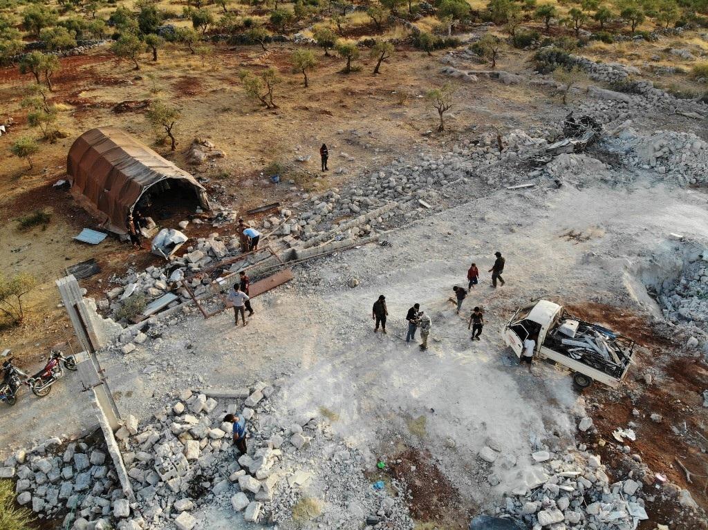 Hang ổ của thủ lĩnh IS bị san phẳng trong cuộc đột kích của Mỹ - 8