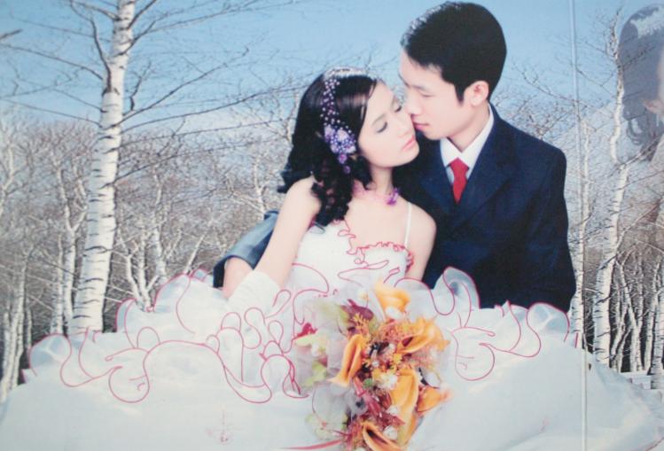 Người vợ 10 năm chăm chồng bại liệt và câu chuyện tình yêu khiến nhiều người rơi lệ - 1