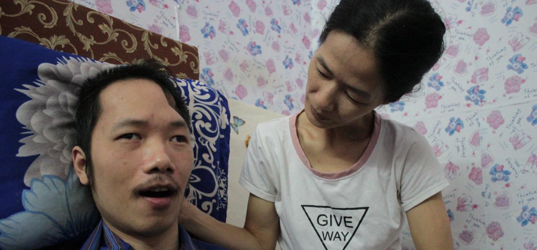 Người vợ 10 năm chăm chồng bại liệt và câu chuyện tình yêu khiến nhiều người rơi lệ - 10