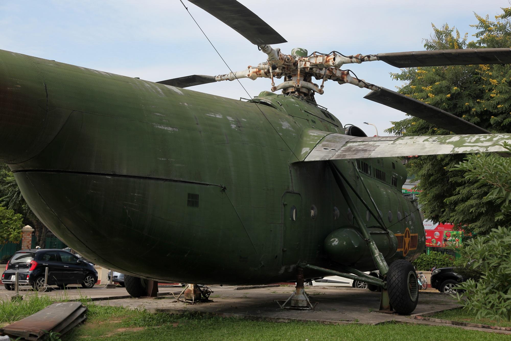 Cận cảnh trực thăng khổng lồ huyền thoại của Không quân Việt Nam - 15