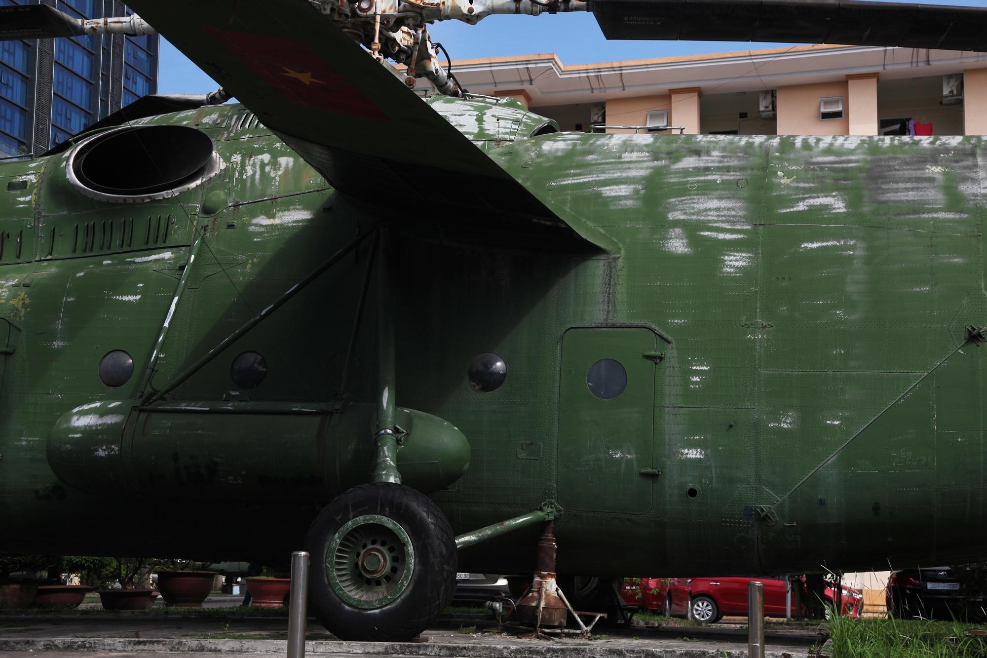 Cận cảnh trực thăng khổng lồ huyền thoại của Không quân Việt Nam - 7