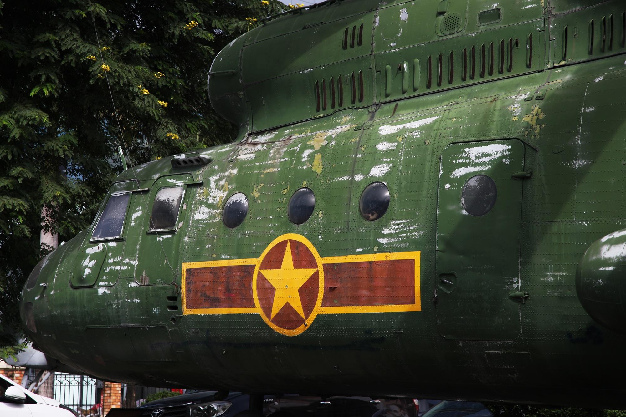 Cận cảnh trực thăng khổng lồ huyền thoại của Không quân Việt Nam - 2