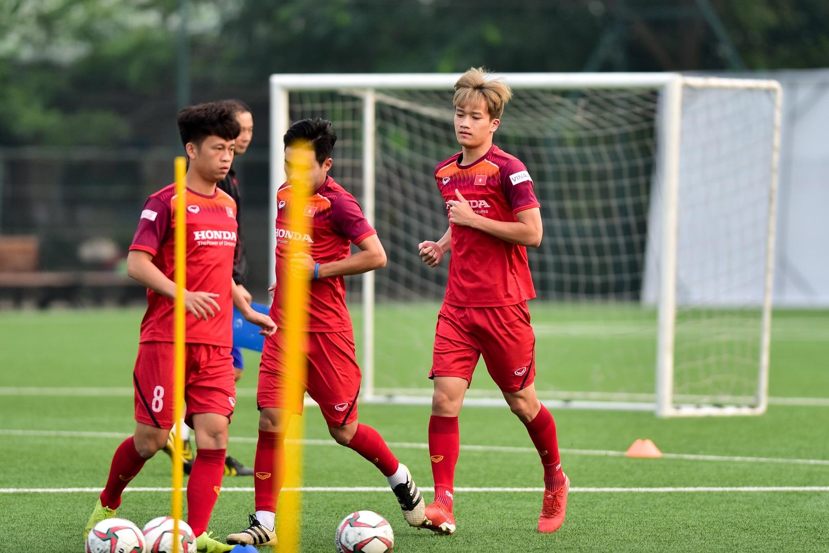 Đình Trọng báo tin vui cho thầy Park, chính thức tập luyện cùng U22 Việt Nam - 13
