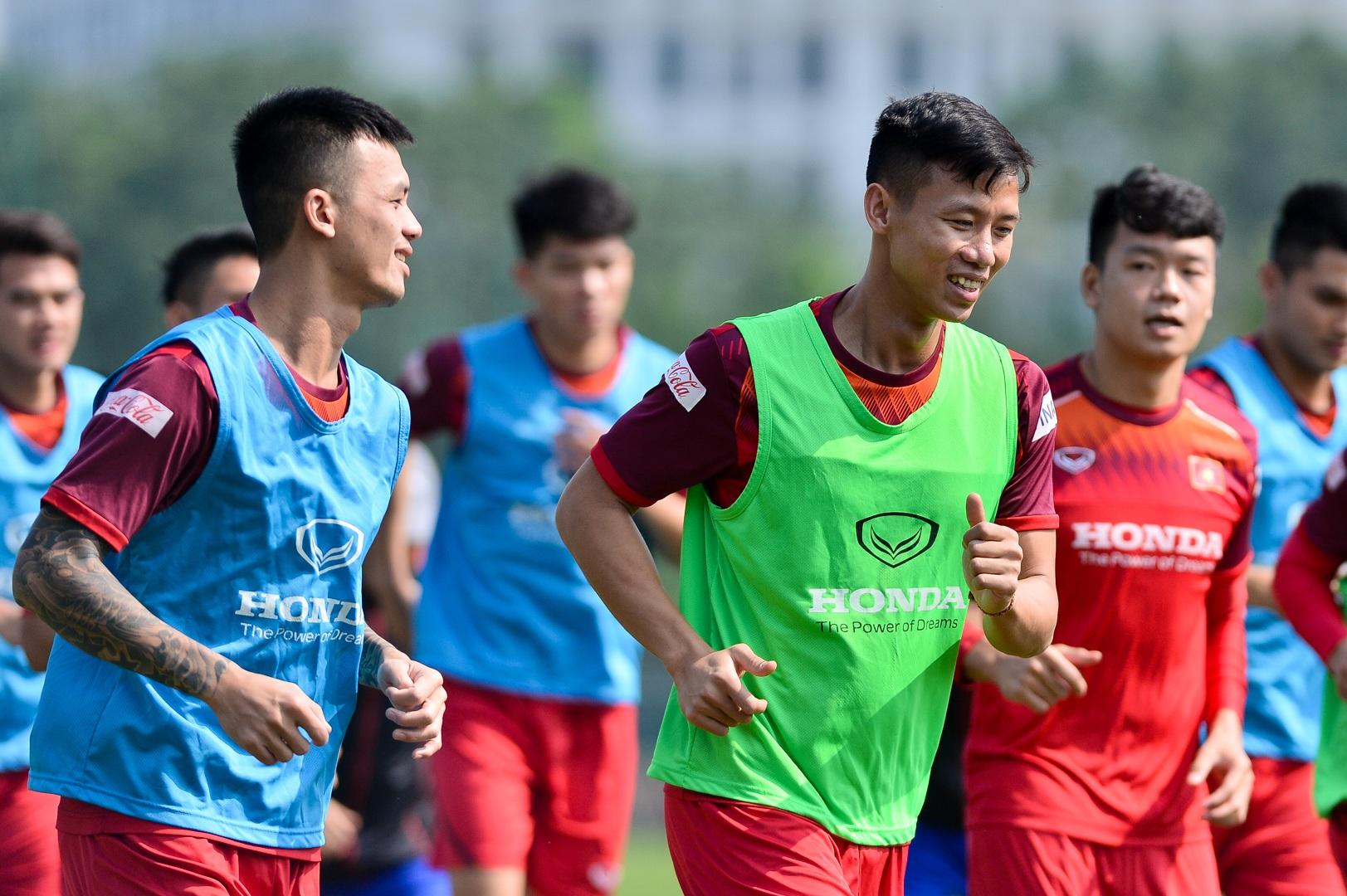 HLV Park Hang Seo xem giò tiền đạo Hà Minh Tuấn - 4