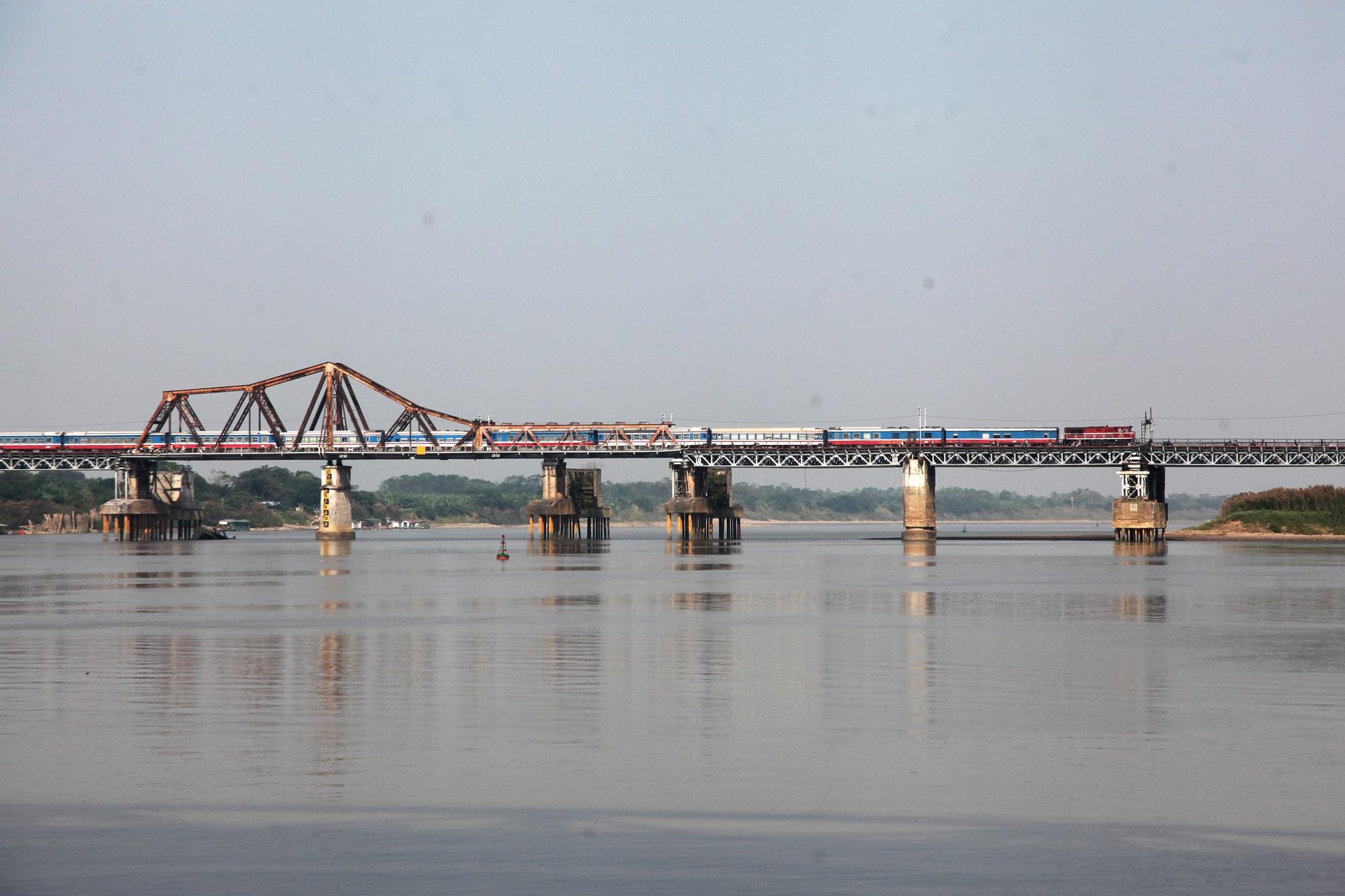 Toàn cảnh 6 cây cầu huyết mạch bắc qua sông Hồng - 2