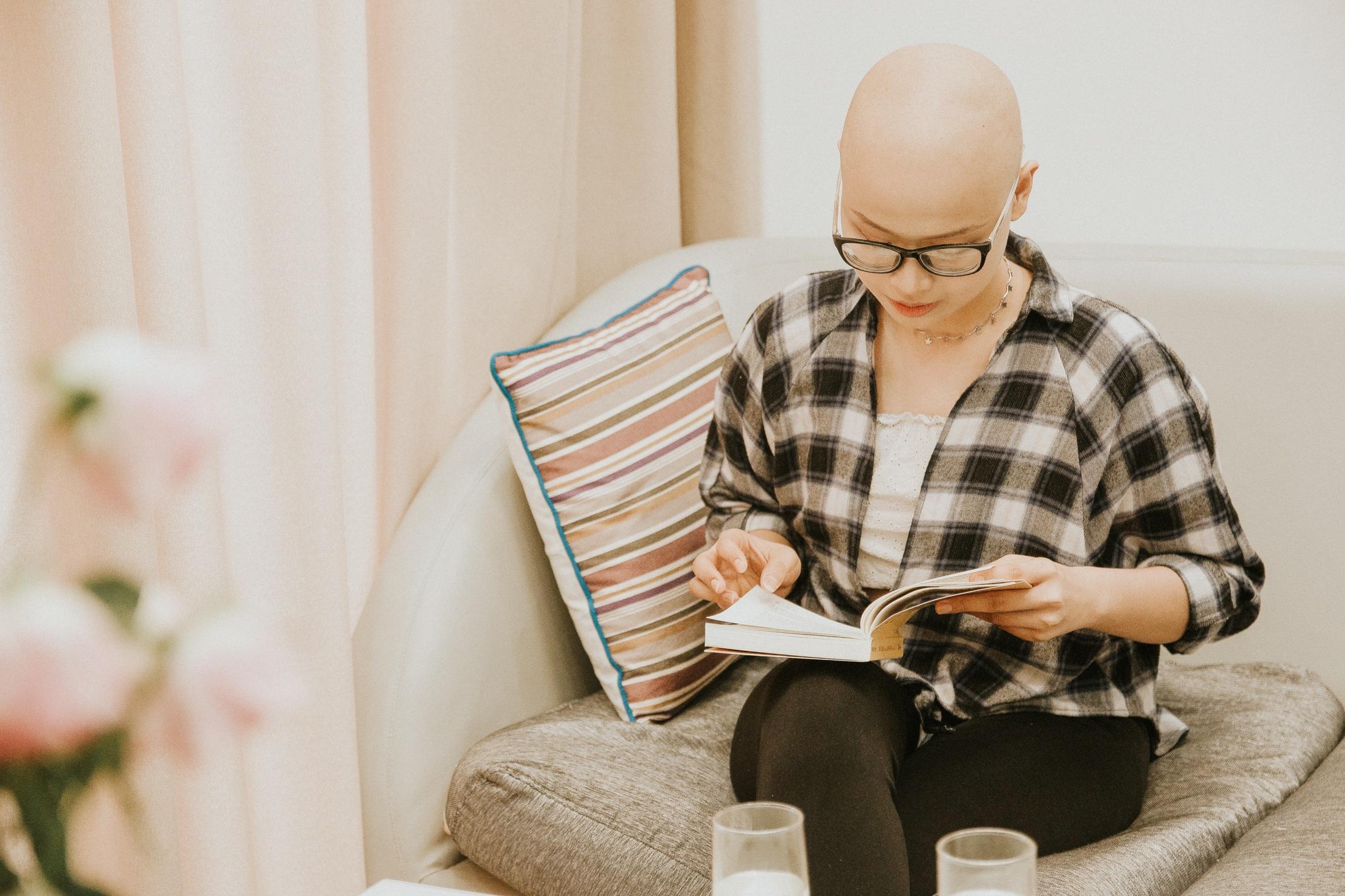 Nữ sinh vượt bạo bệnh đi thi Hoa khôi Ngoại thương:  Tôi đẹp nhất khi tôi tự tin, kể cả khi đầu trọc! - 6