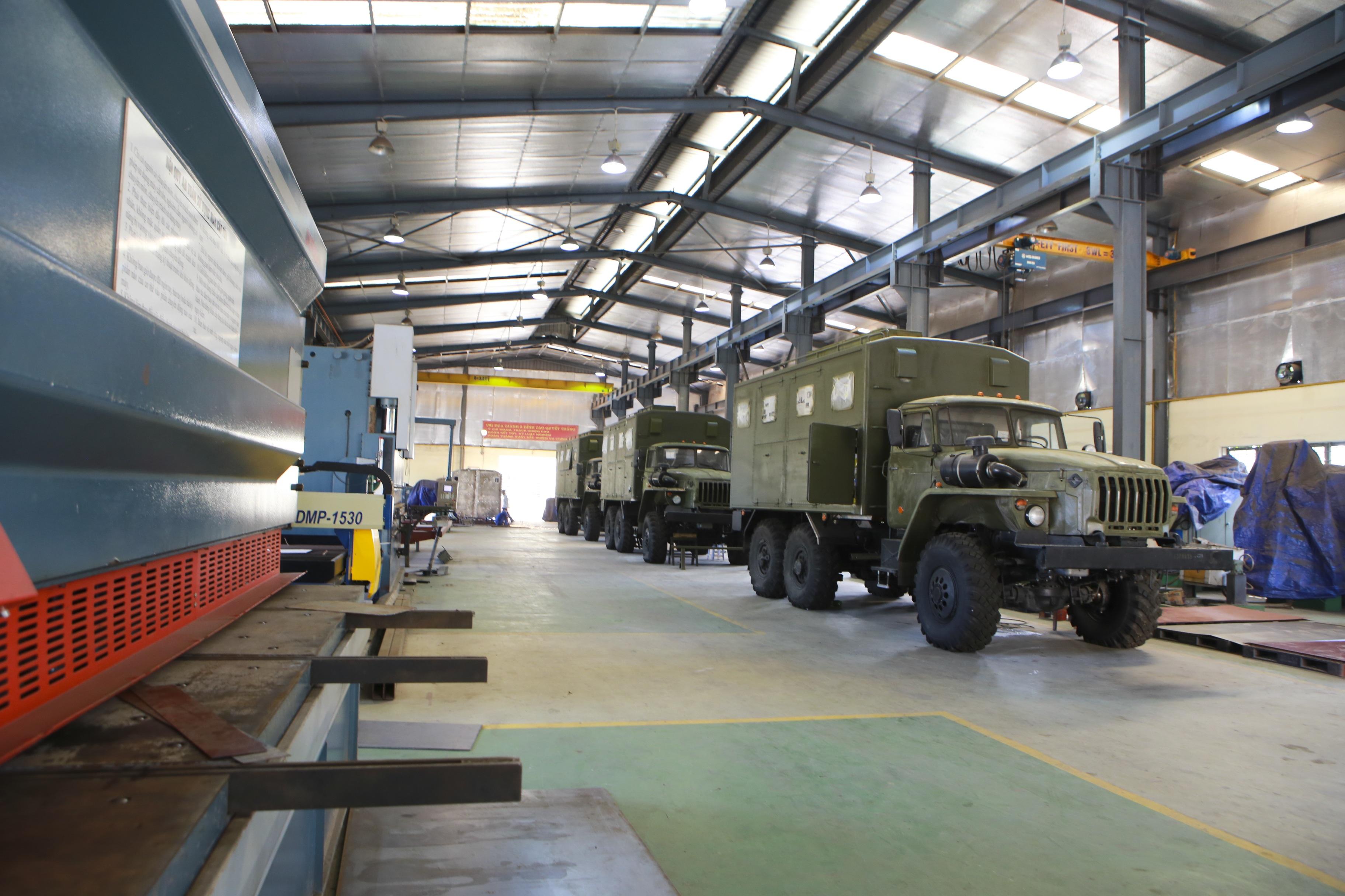Khám phá xe công trình sửa chữa cơ khí tổng hợp của Quân đội Nhân dân Việt Nam - 1