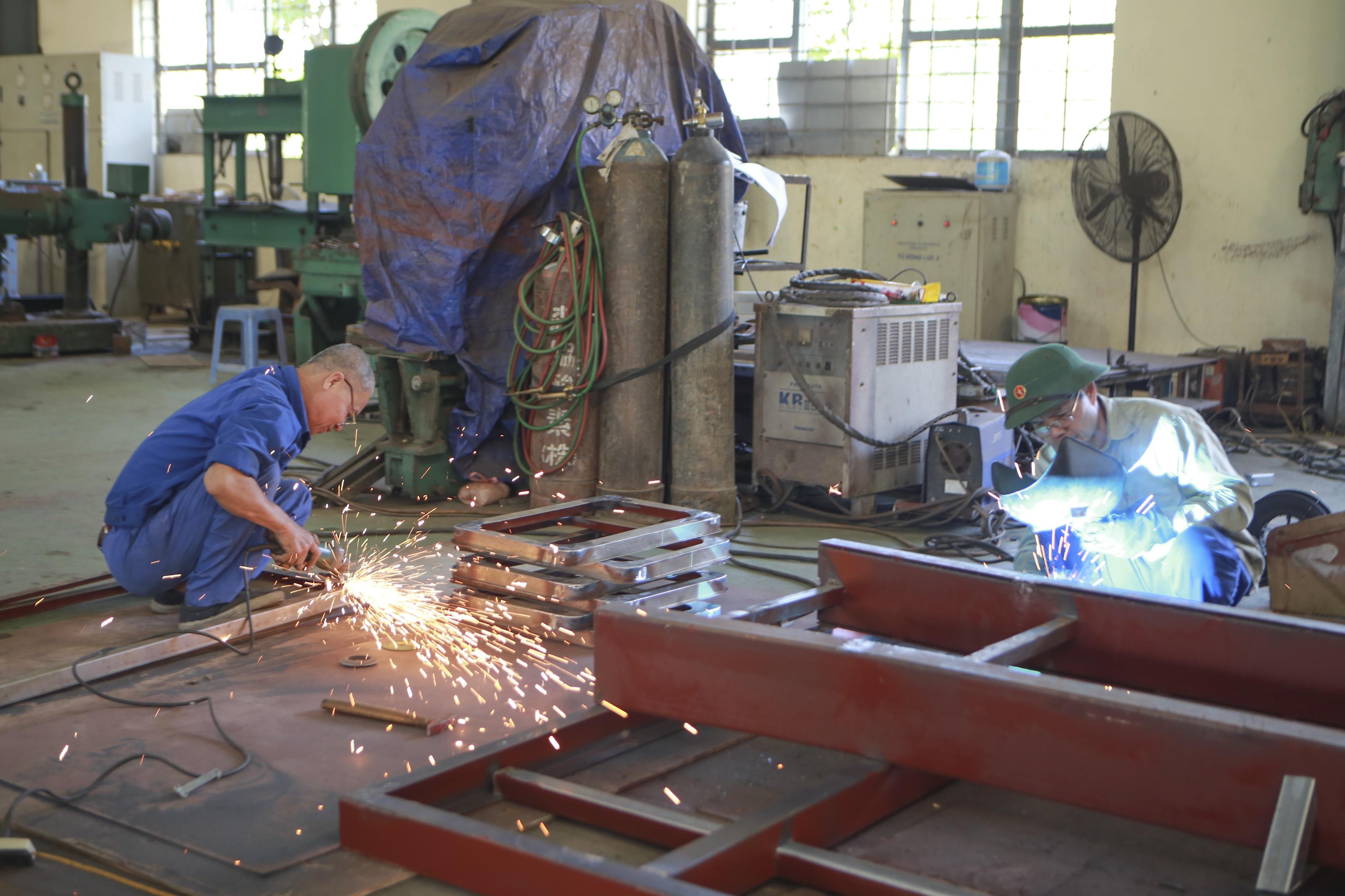 Khám phá xe công trình sửa chữa cơ khí tổng hợp của Quân đội Nhân dân Việt Nam - 11