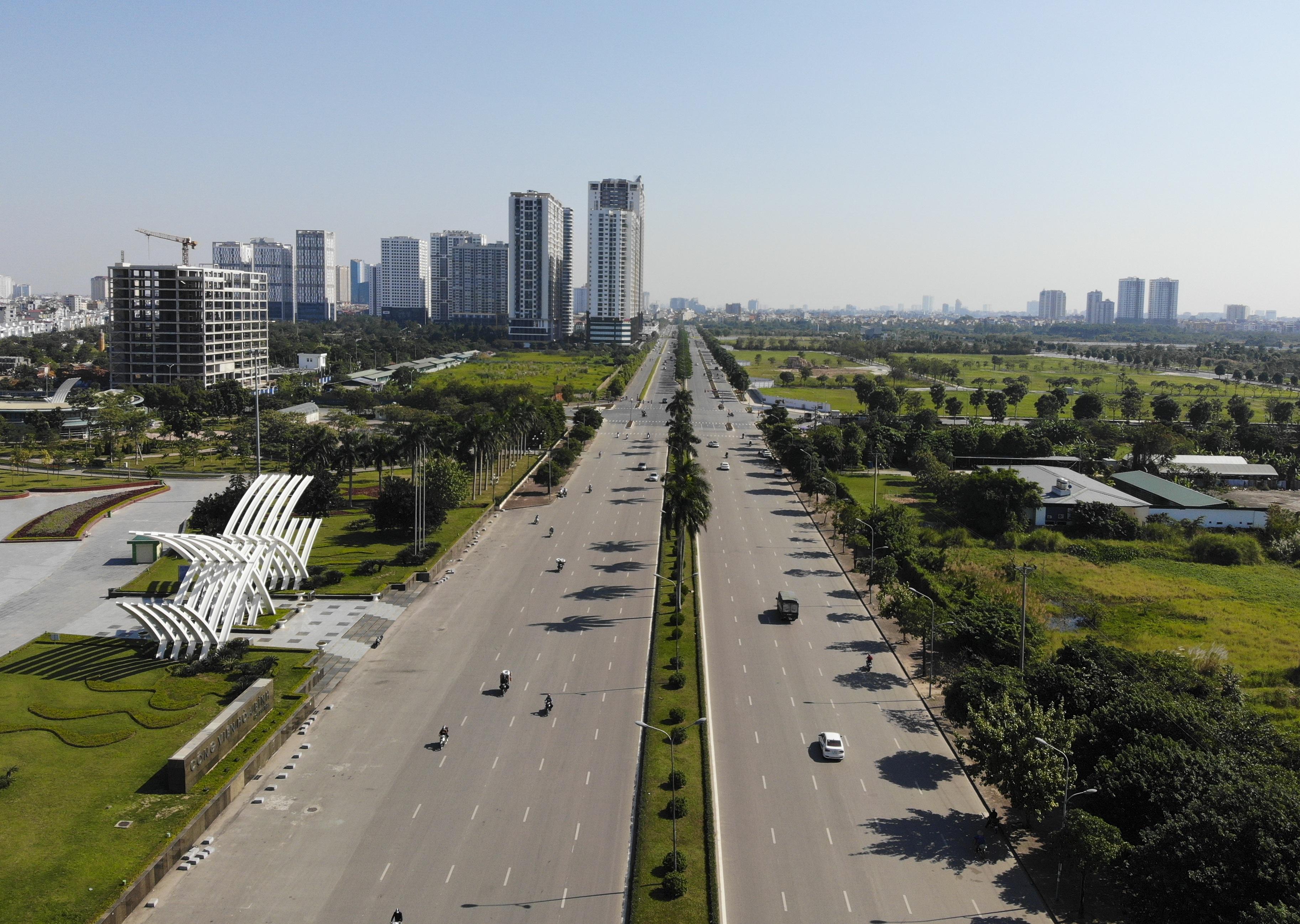 Ngắm tuyến đường 10 làn xe chưa được đặt tên tại Hà Nội - 4