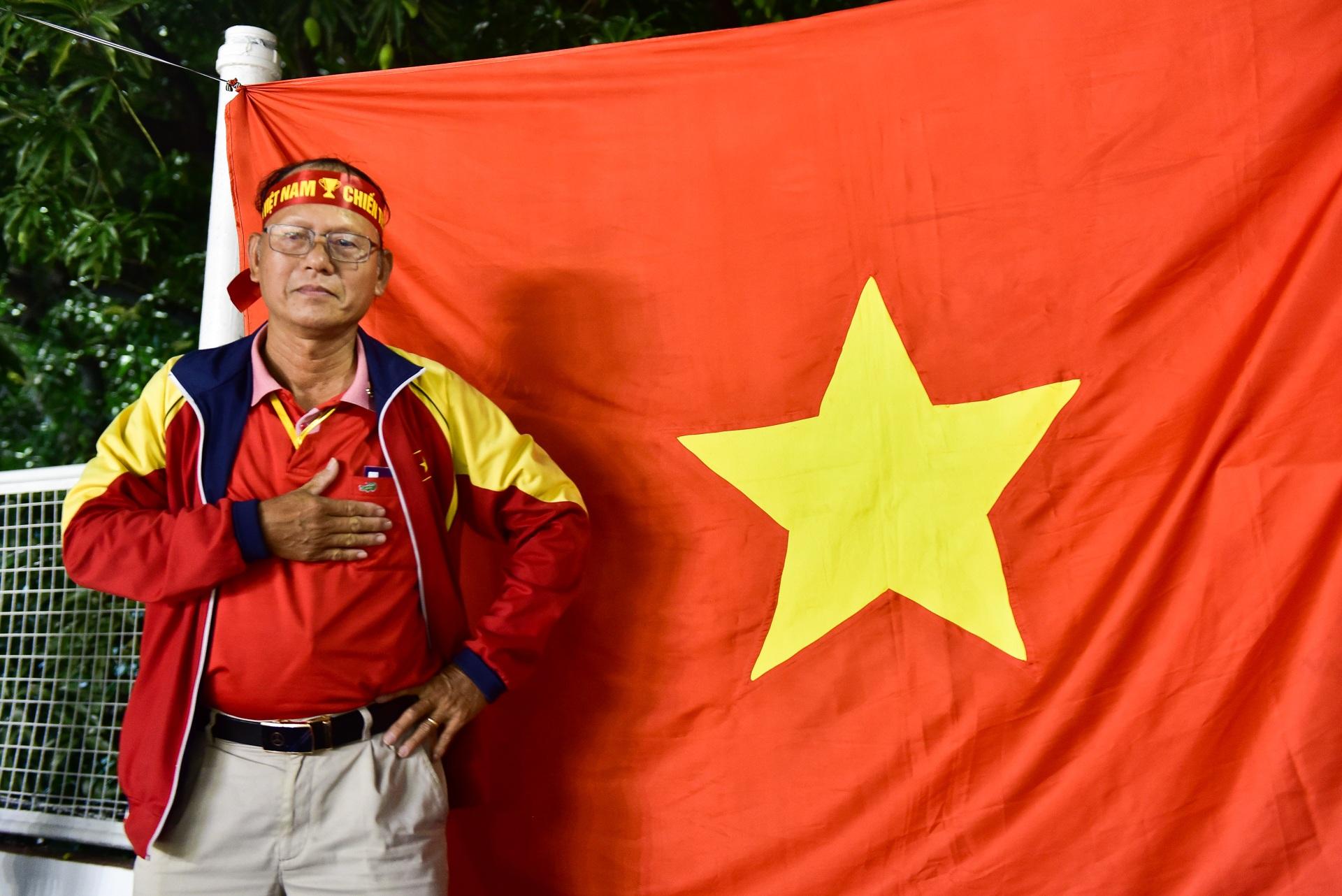 CĐV Việt Nam muốn biến sân Rizal Memorial thành Mỹ Đình - 4