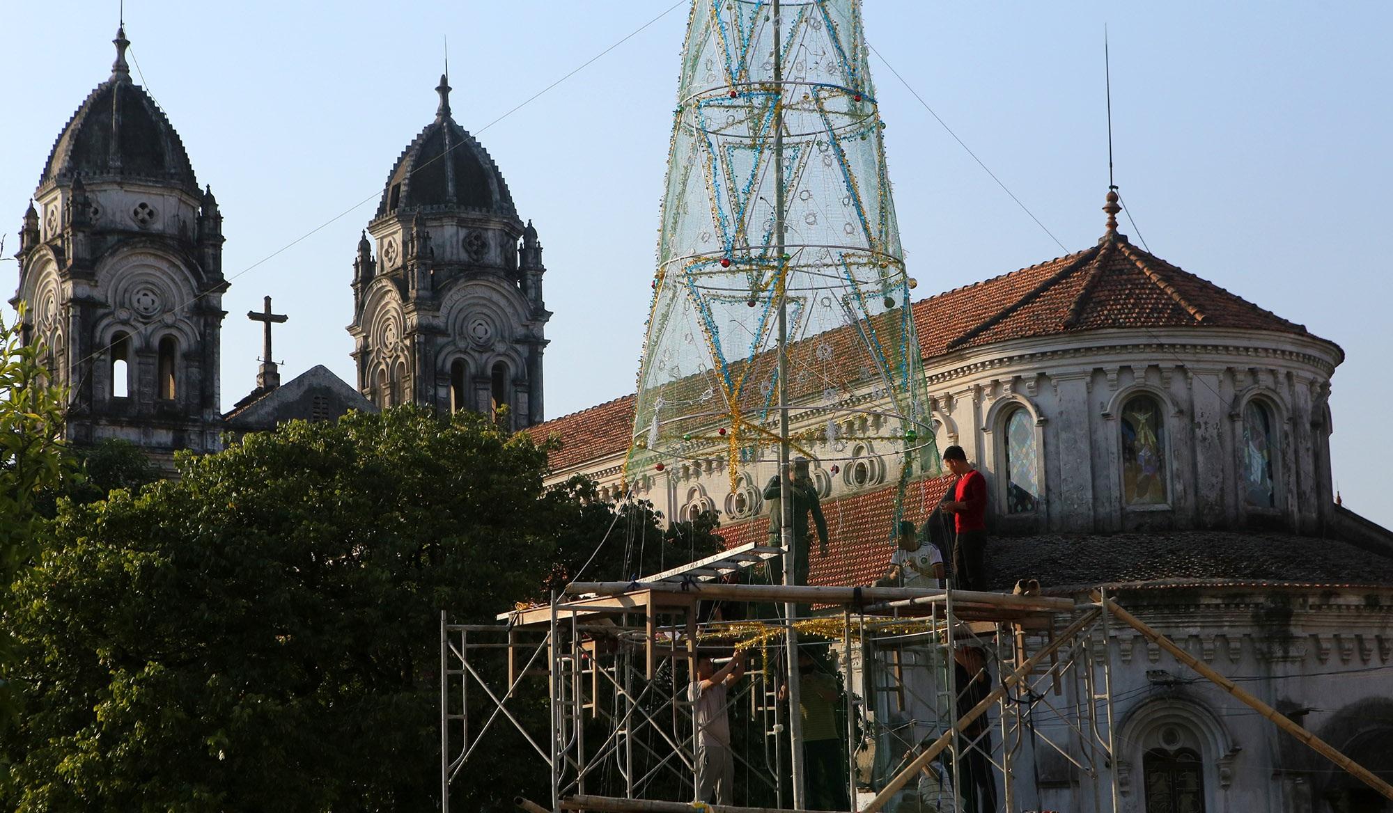 Các nhà thờ ở Hà Nội trang hoàng đón Noel 2019 - 11