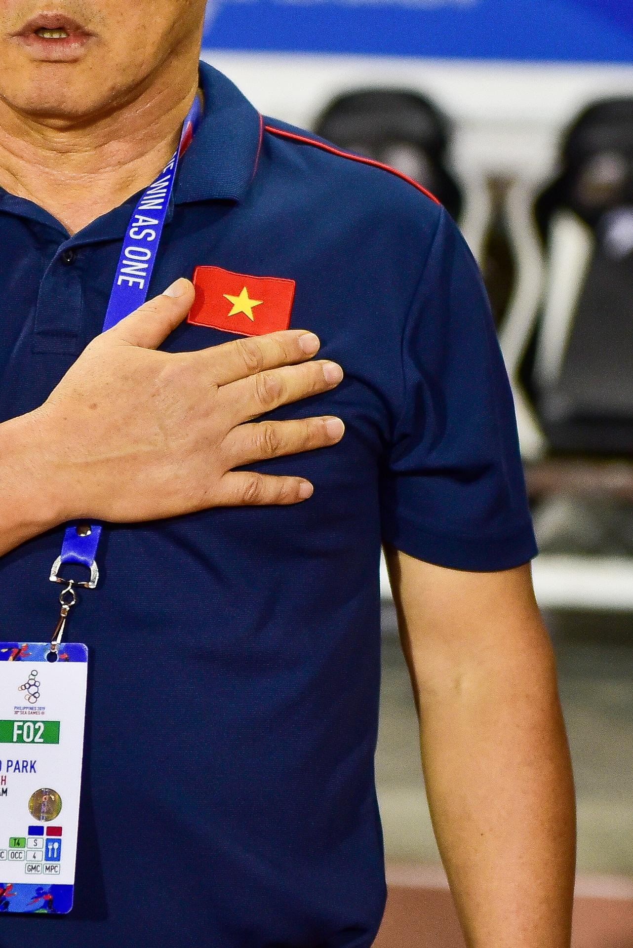 Những cảm xúc đặc biệt của HLV Park Hang Seo trong trận thắng U22 Campuchia - 3