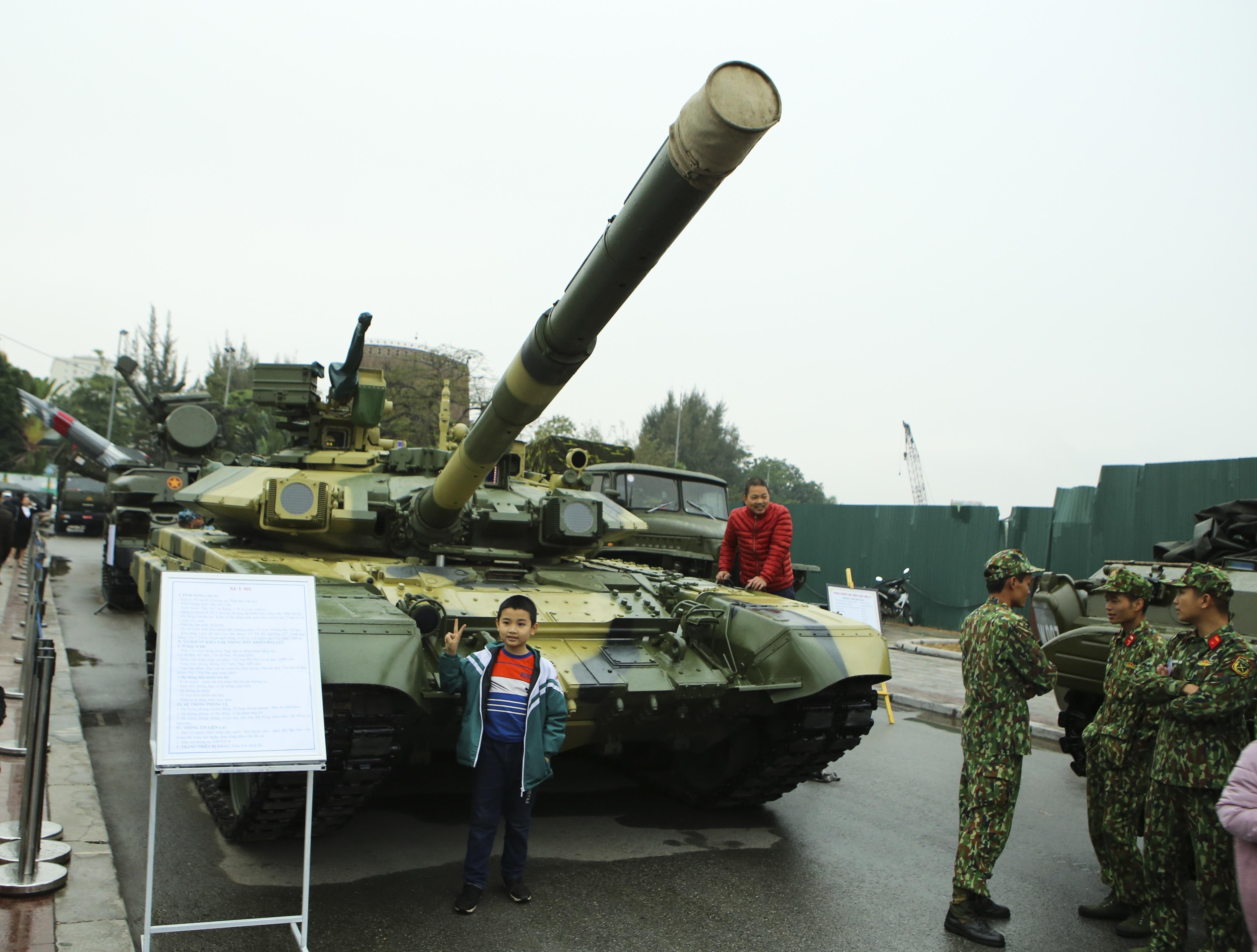 Hàng loạt vũ khí tối tân được Bộ Quốc phòng trưng bày tại Thái Nguyên - 2