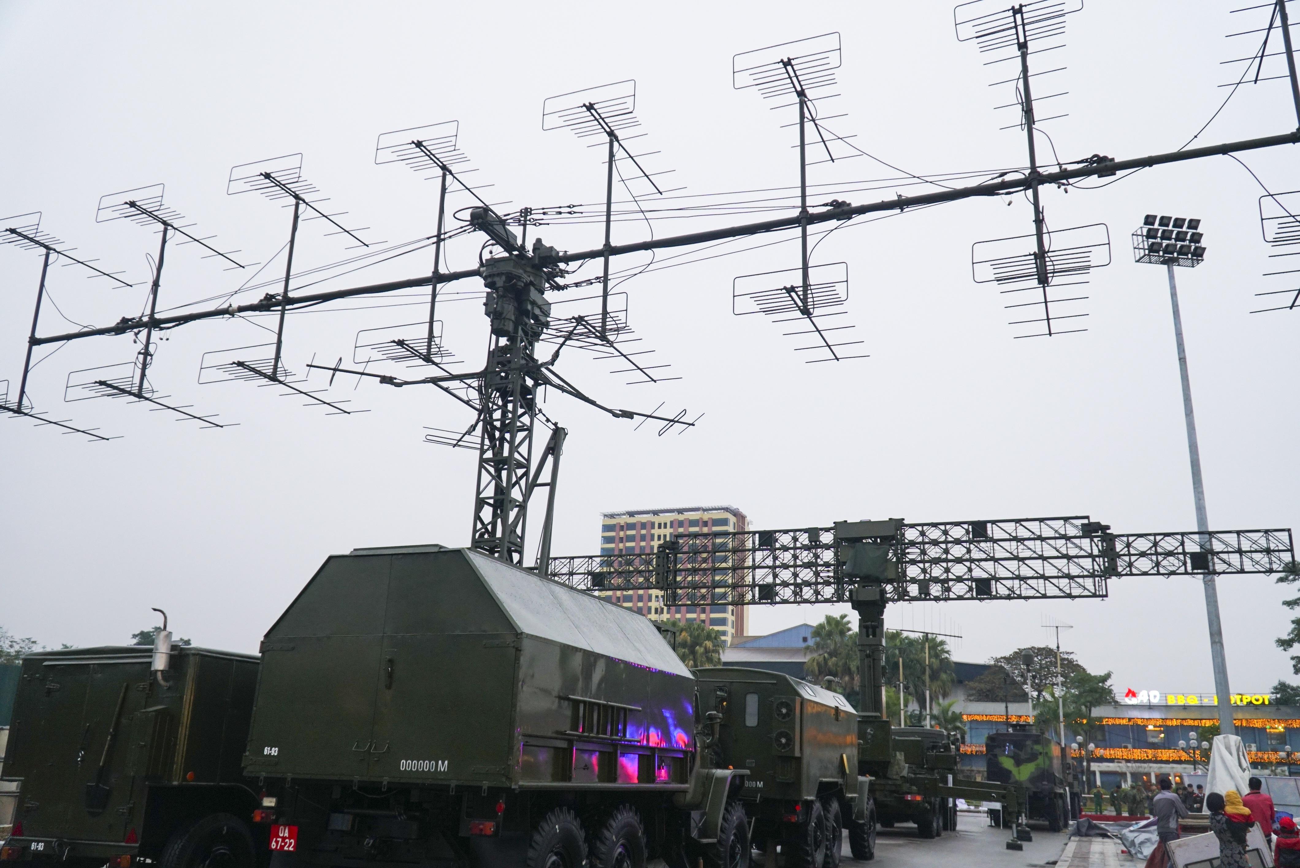 Cận cảnh dàn radar chống mục tiêu tàng hình tối tân của Quân đội Nhân dân Việt Nam - 6