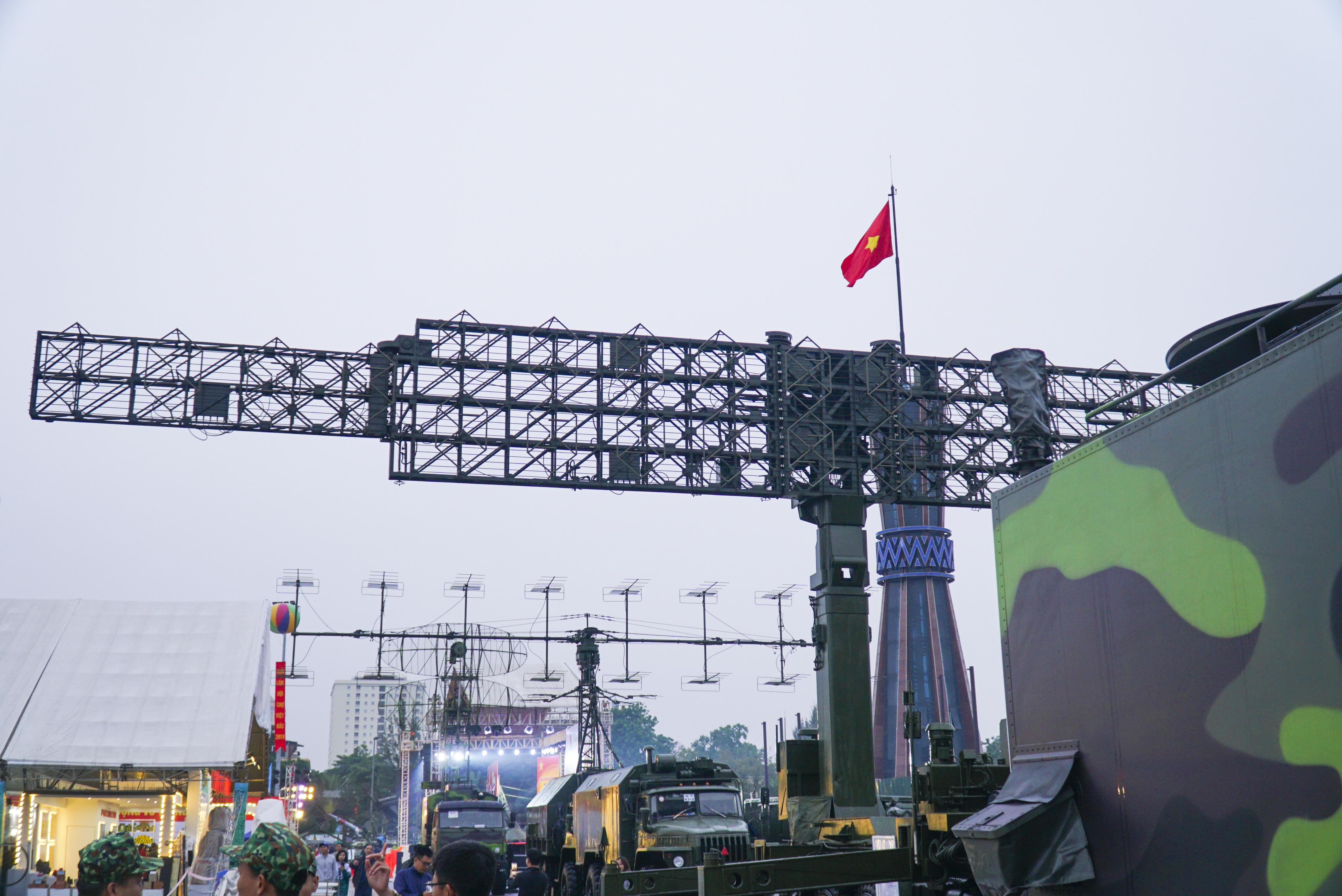 Cận cảnh dàn radar chống mục tiêu tàng hình tối tân của Quân đội Nhân dân Việt Nam - 3