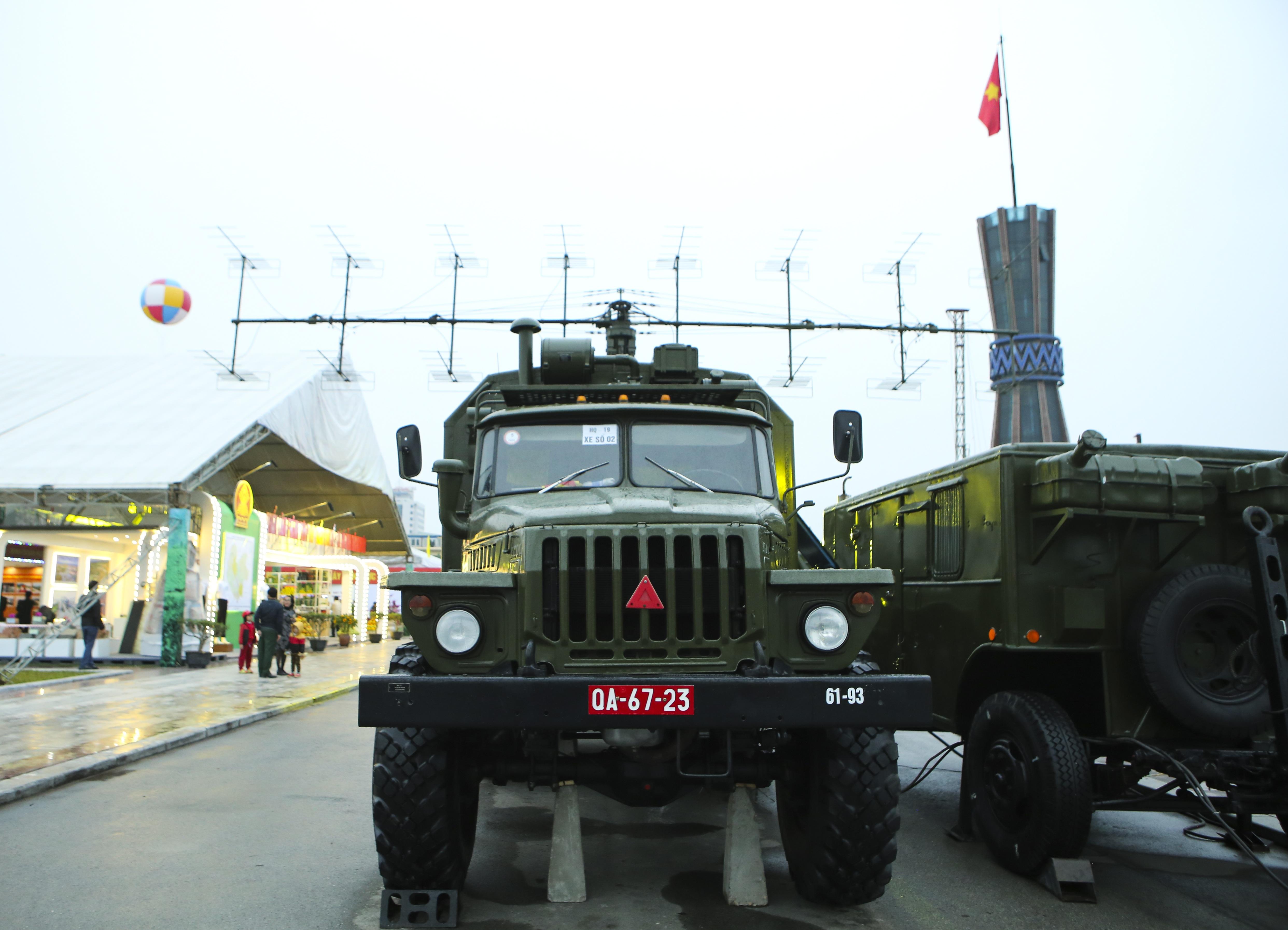 Cận cảnh dàn radar chống mục tiêu tàng hình tối tân của Quân đội Nhân dân Việt Nam - 7