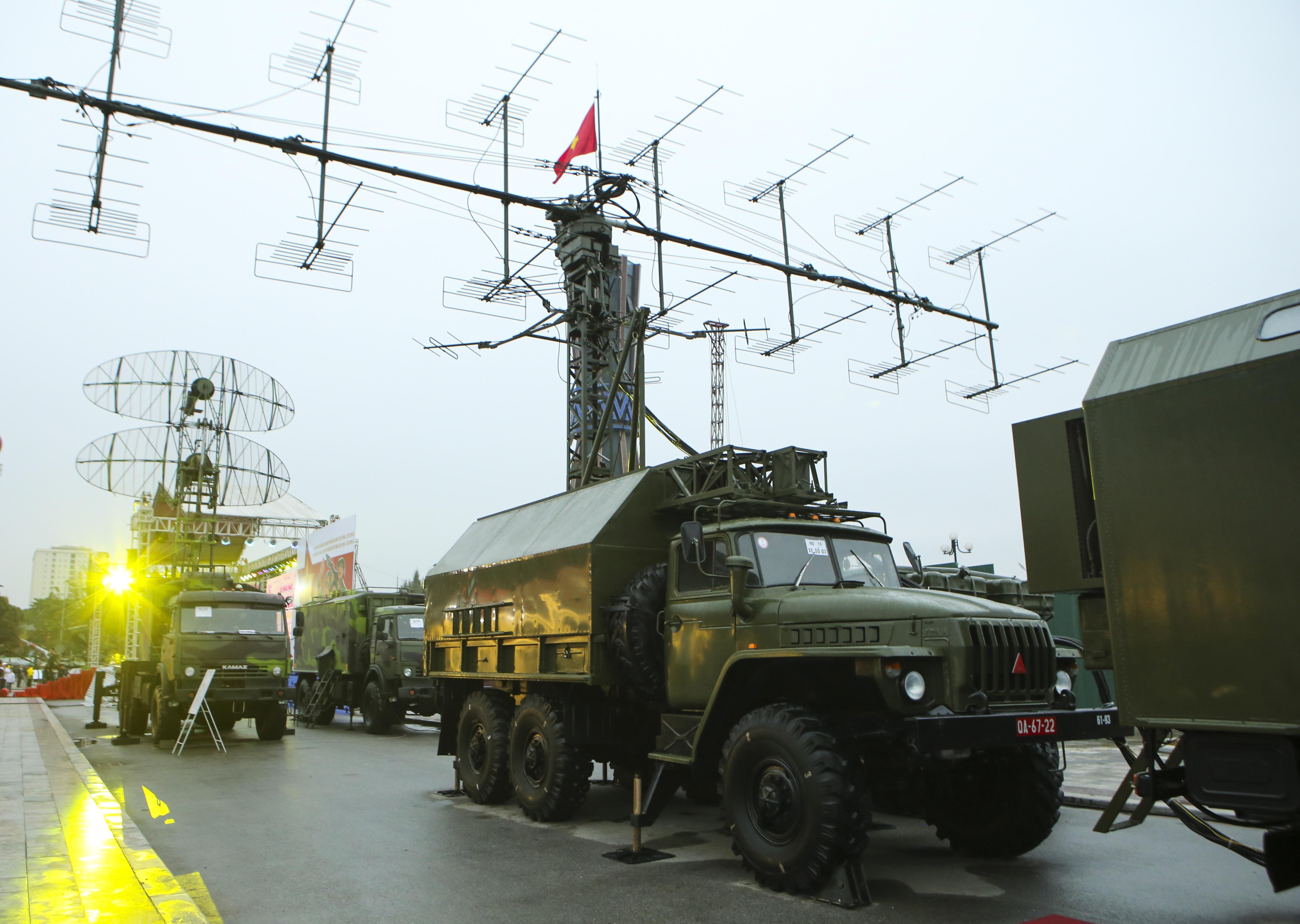 Cận cảnh dàn radar chống mục tiêu tàng hình tối tân của Quân đội Nhân dân Việt Nam - 1