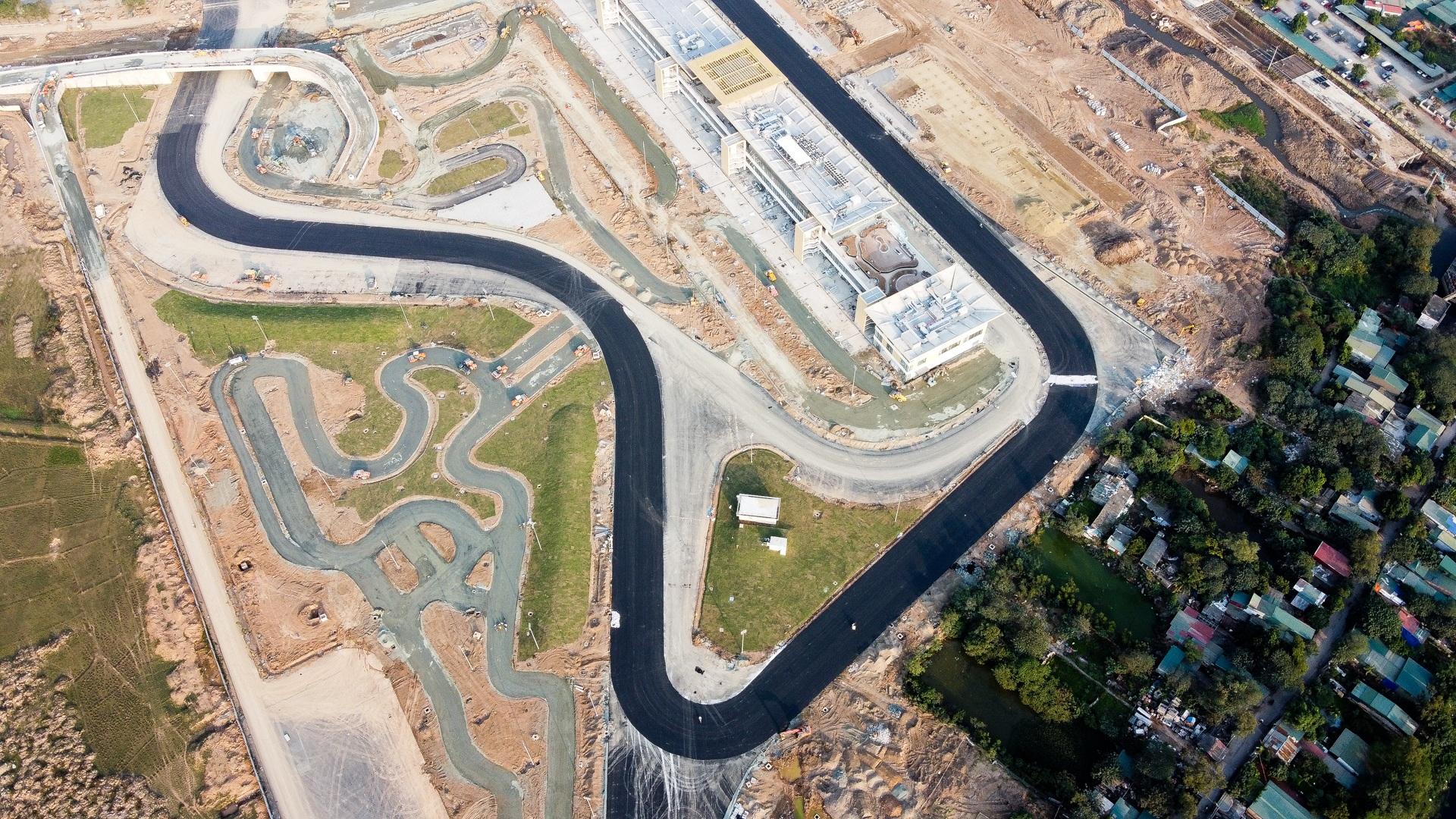 Hà Nội: Được trải thảm nhựa, đường đua F1 dần hiện hình - 10