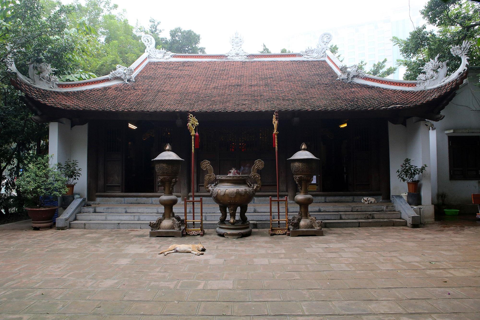 Ngôi đền độc đáo trên mặt hồ Trúc Bạch - 4