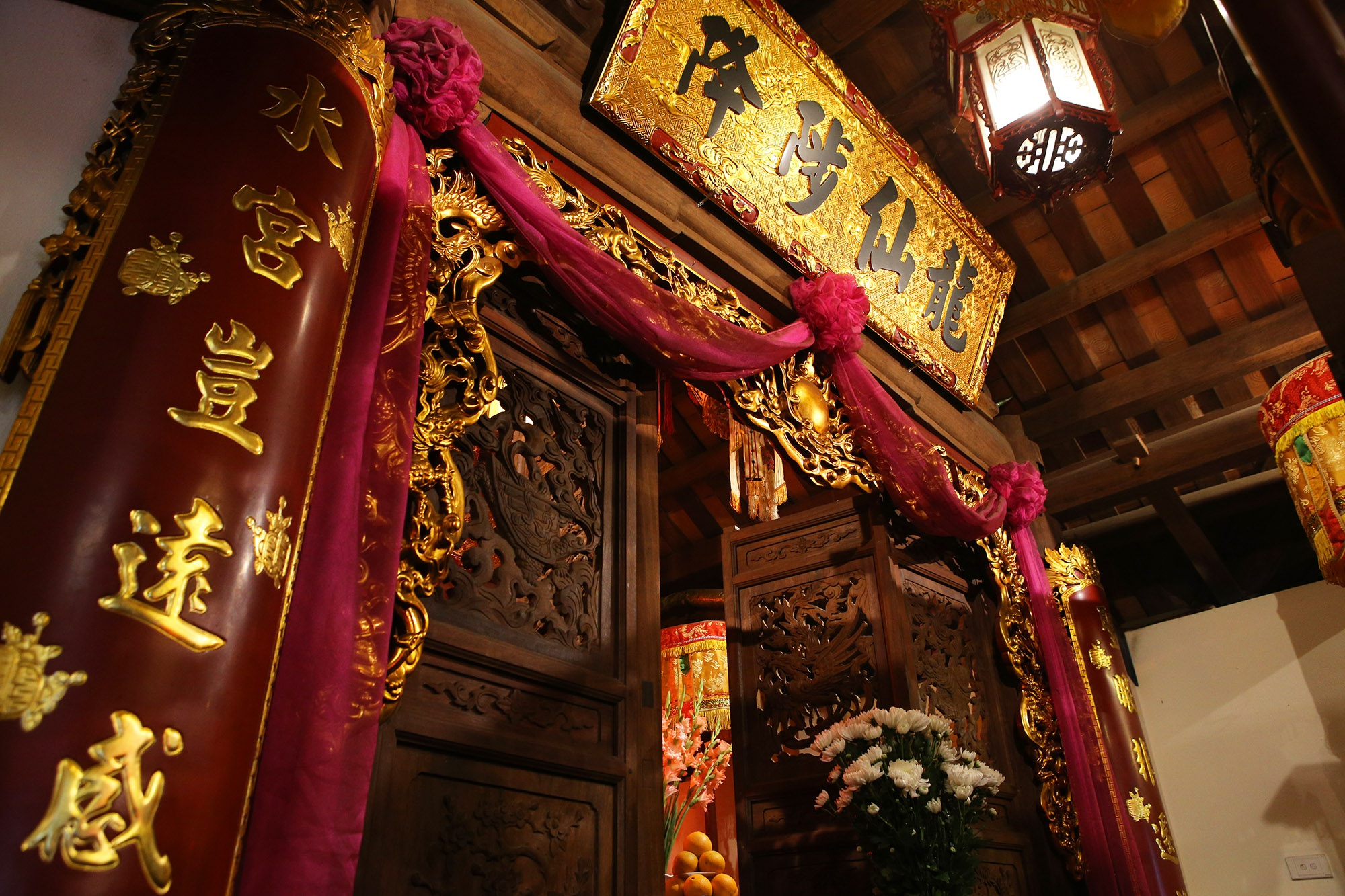 Ngôi đền độc đáo trên mặt hồ Trúc Bạch - 10