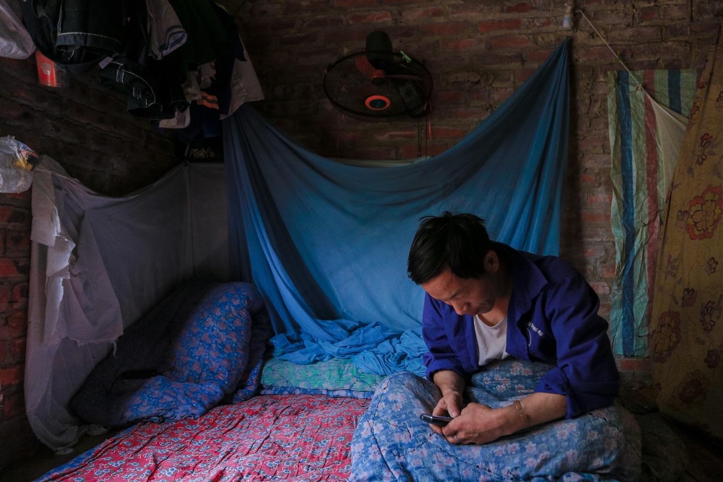 """Những công nhân """"ngày làm phụ hồ, tối ngủ biệt thự triệu đô"""" ở Hà Nội - 16"""