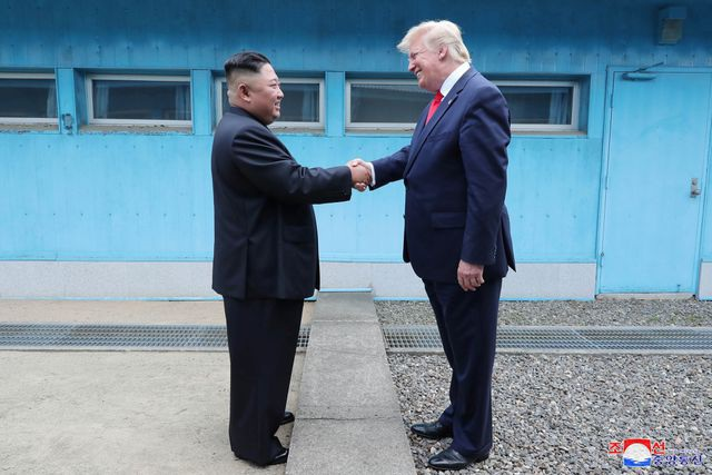 """Năm """"ngoại giao"""" khởi sắc của nhà lãnh đạo Kim Jong-un - 10"""