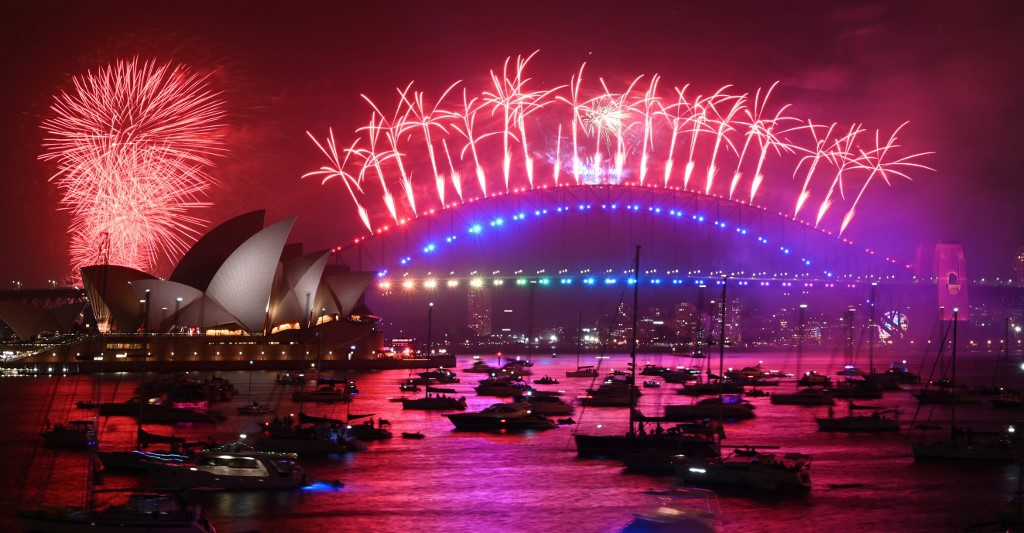 Pháo hoa tưng bừng khắp thế giới đón năm mới 2020 - 10