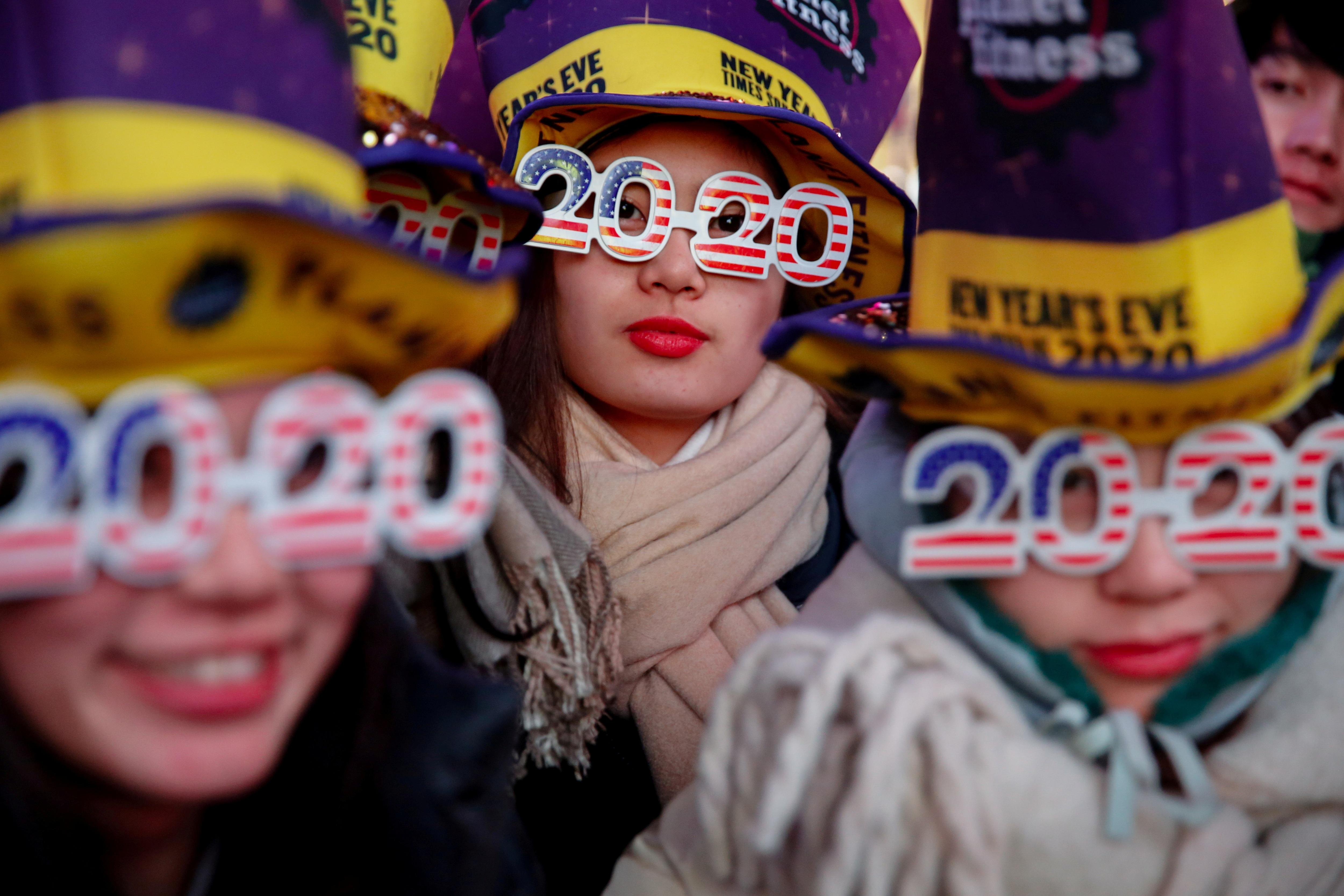 Mỹ tưng bừng chào đón năm mới 2020 - 16