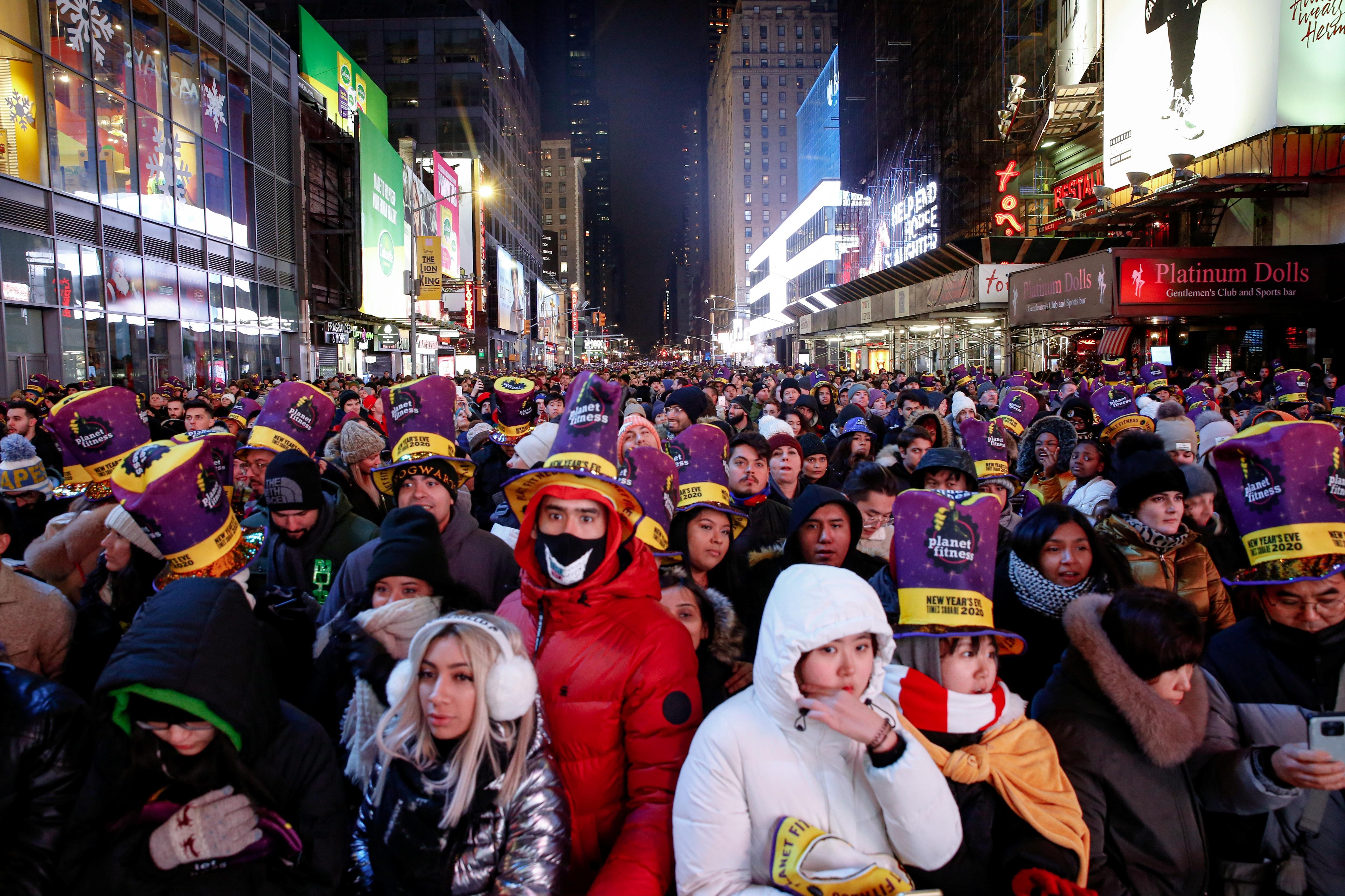 Mỹ tưng bừng chào đón năm mới 2020 - 12