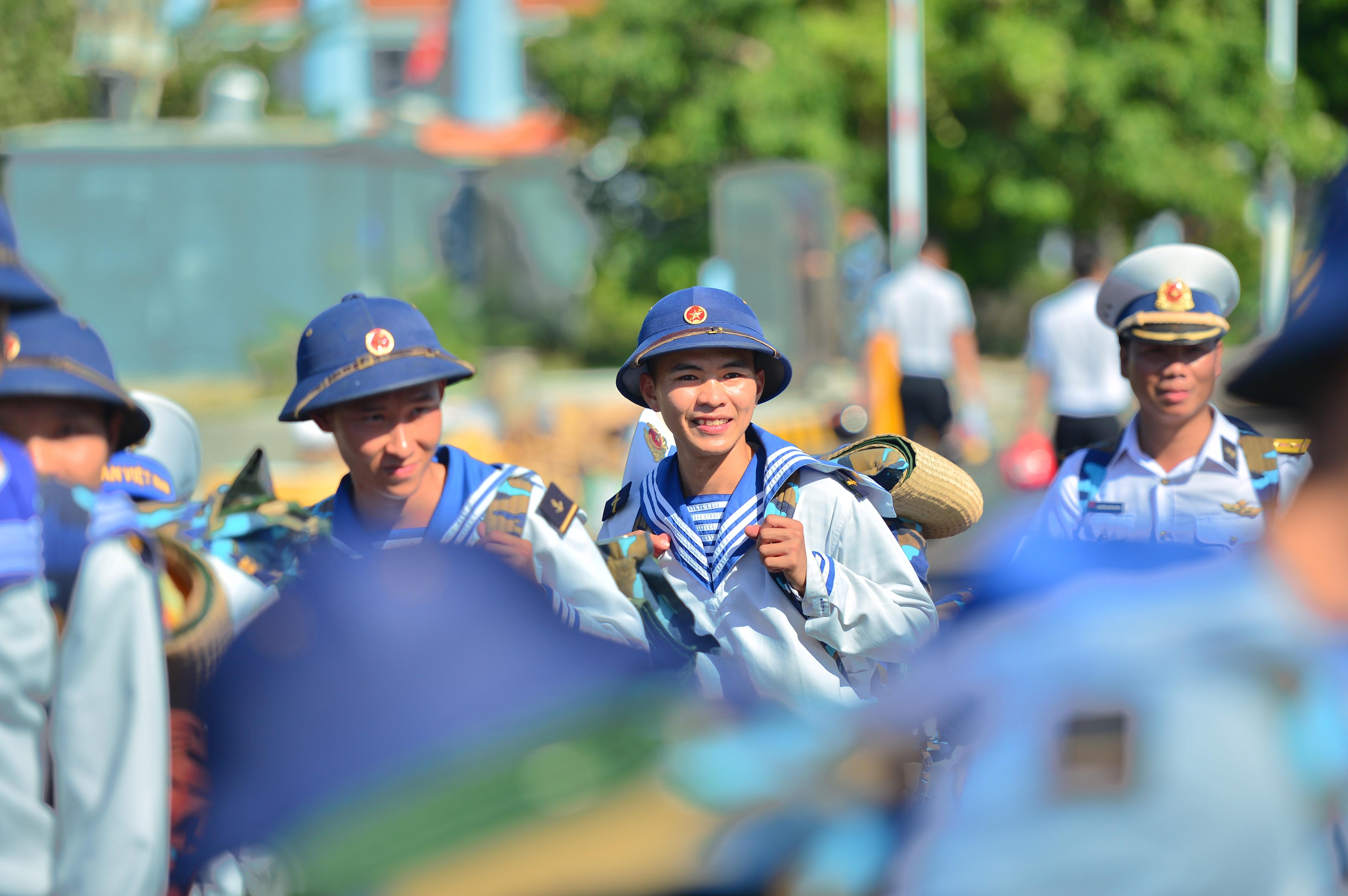 Xúc động lễ tiễn quân ra quần đảo Trường Sa làm nhiệm vụ - 12